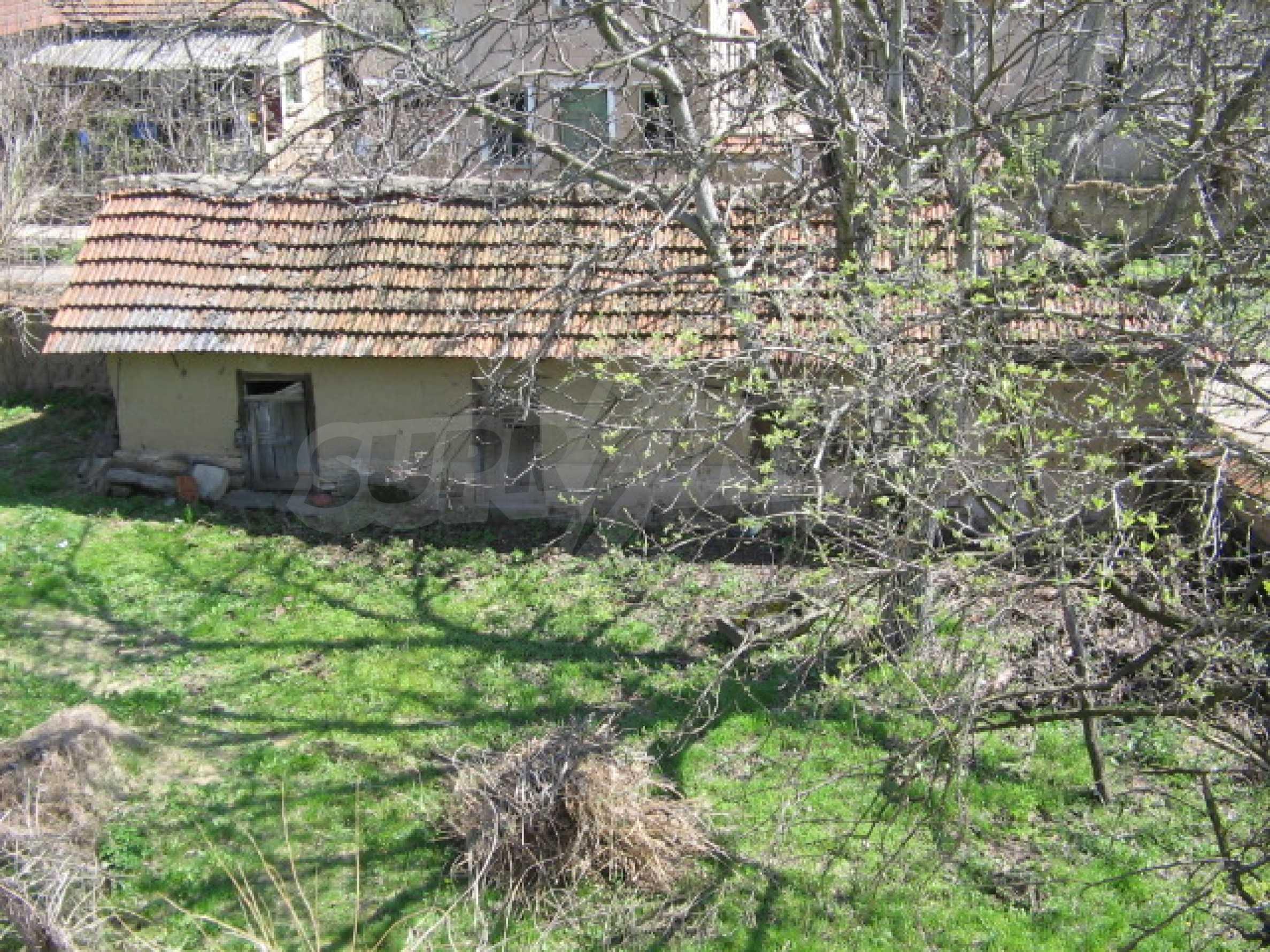 Просторный дом у реки 23