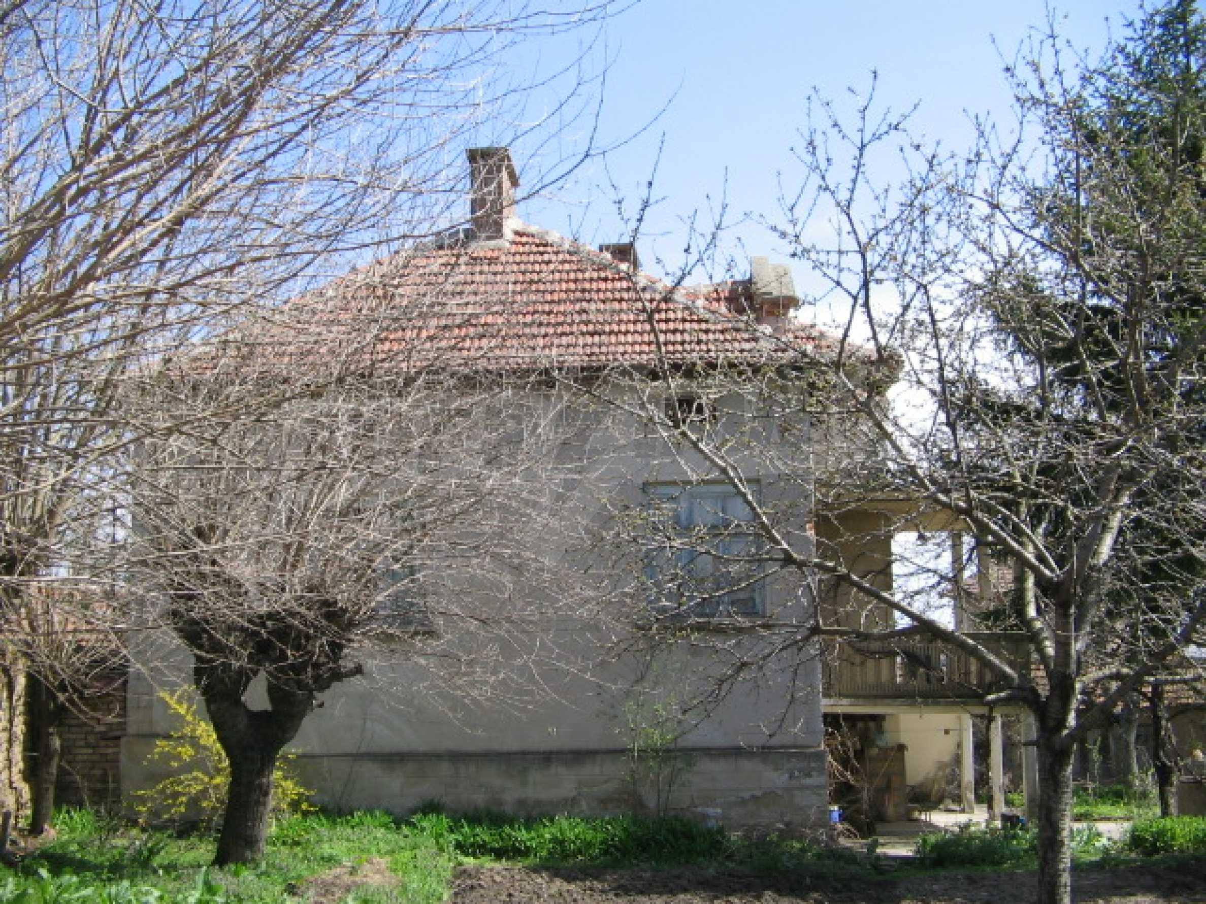 Просторный дом у реки 27