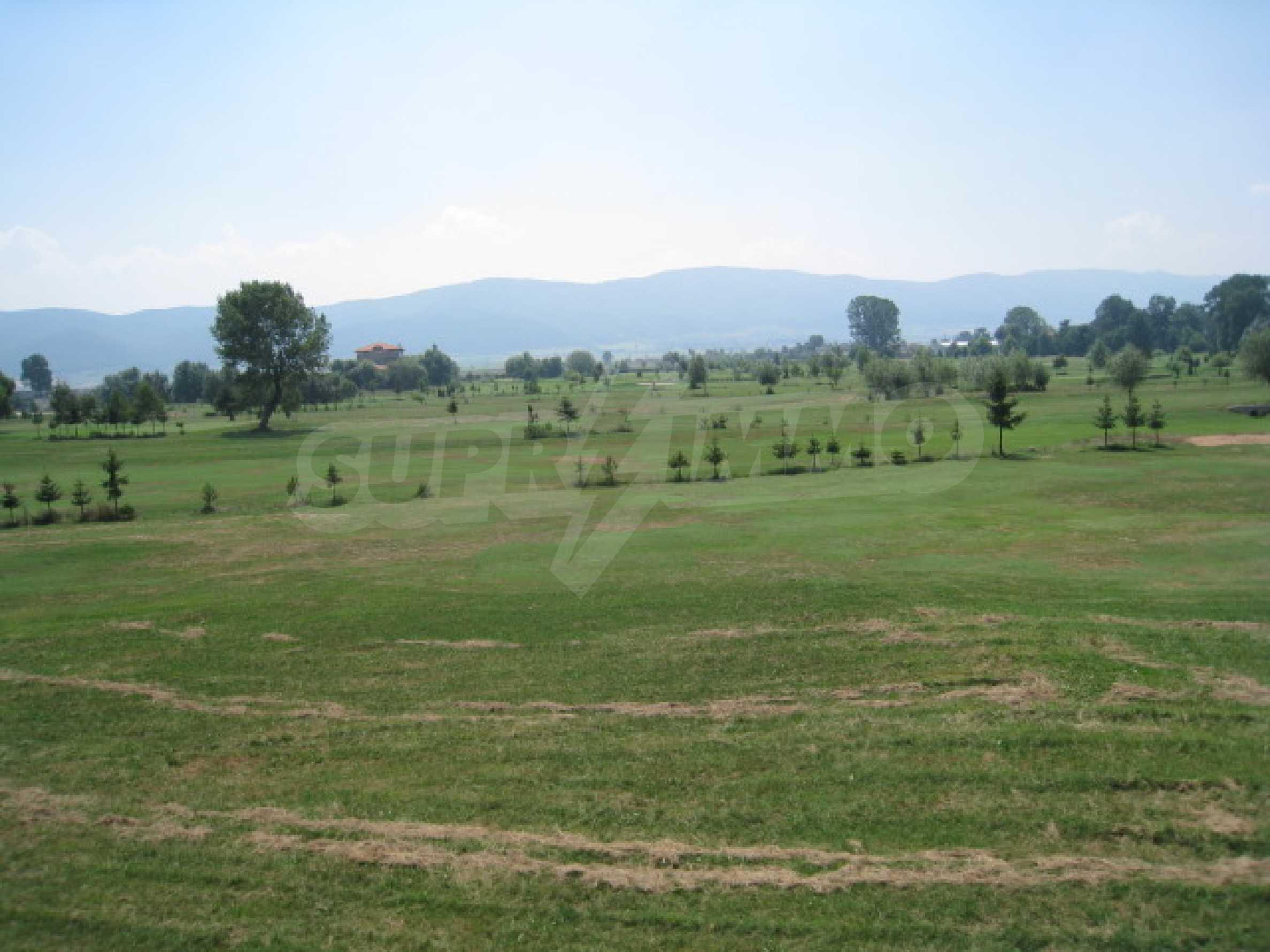 Сграда до Air Sofia Golf Club 23