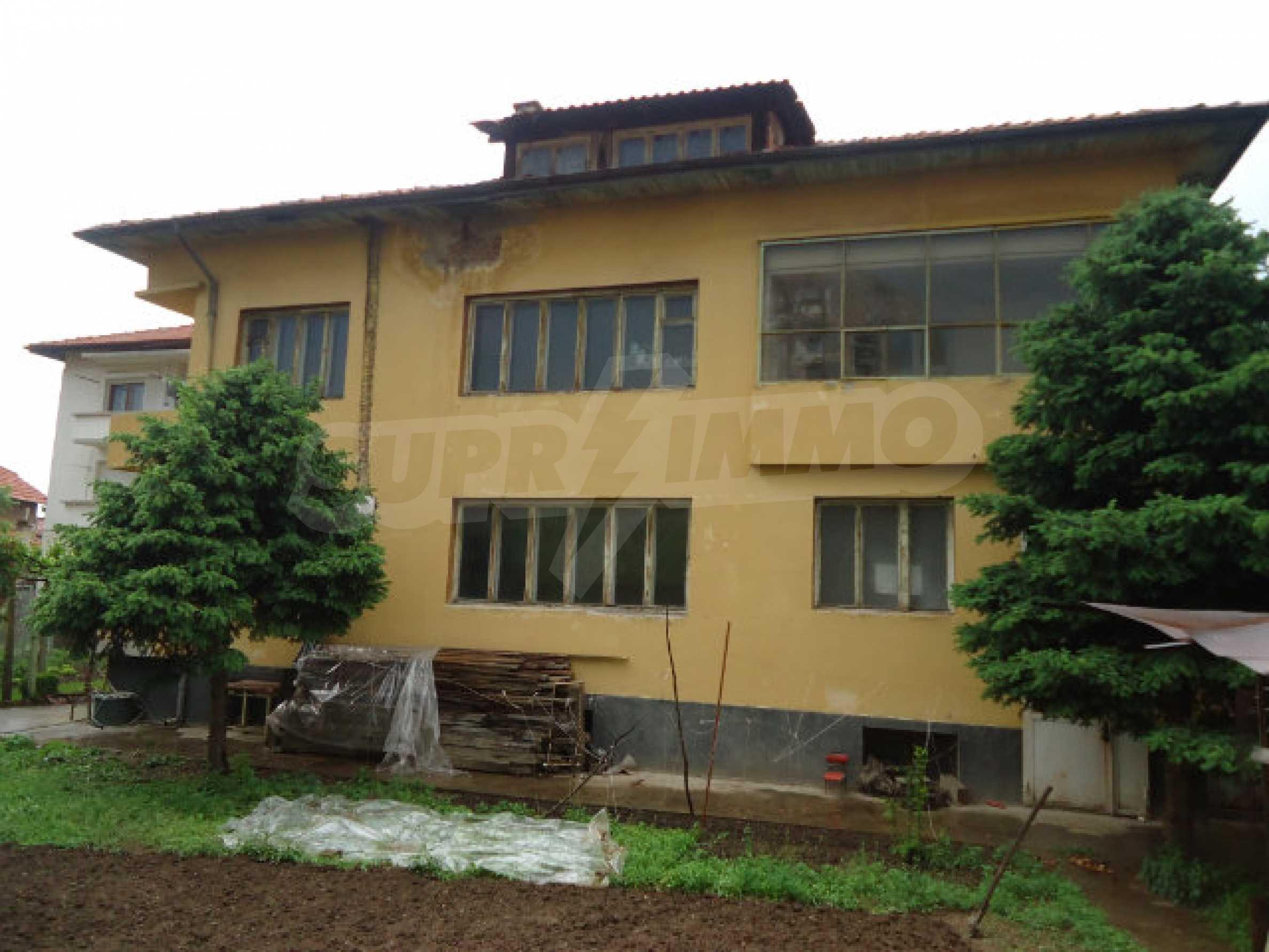 Сграда с парцел в гр. Кюстендил 7