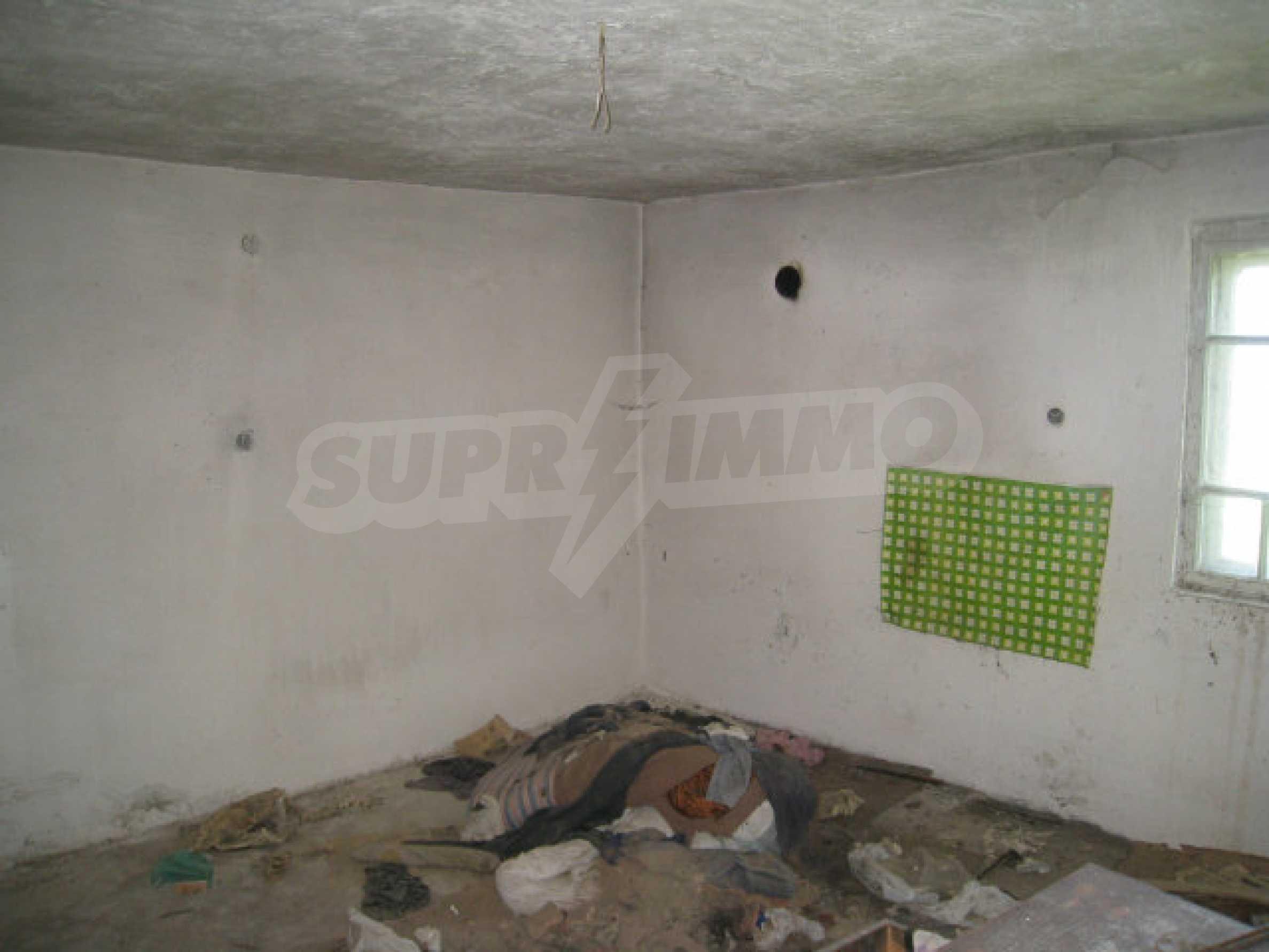 Plot for sale in villa area of Svoge 15
