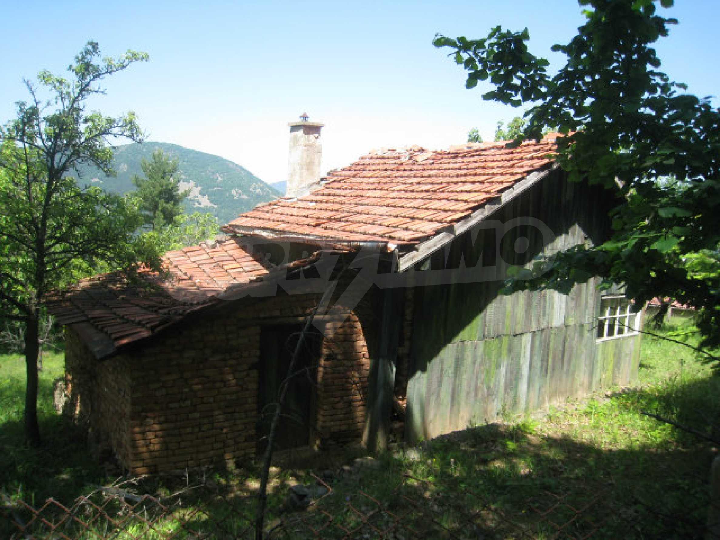 Plot for sale in villa area of Svoge 30
