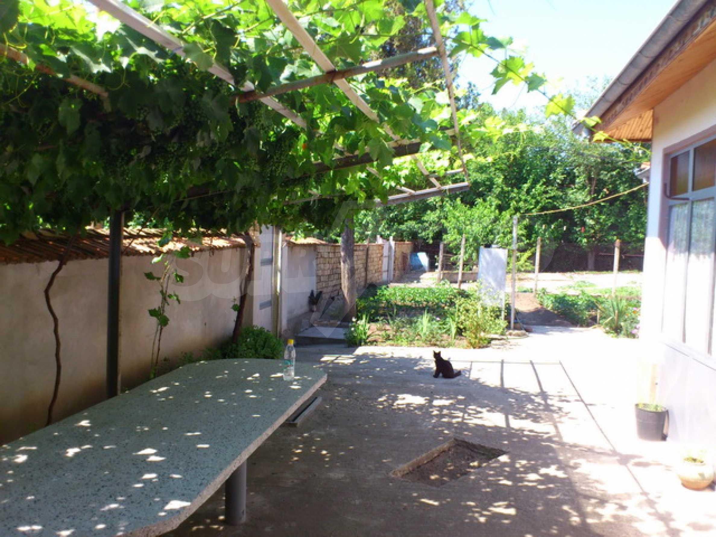Отремонтированный дом в отличном состоянии, в деревне в 45 км. от Велико Тырново 28