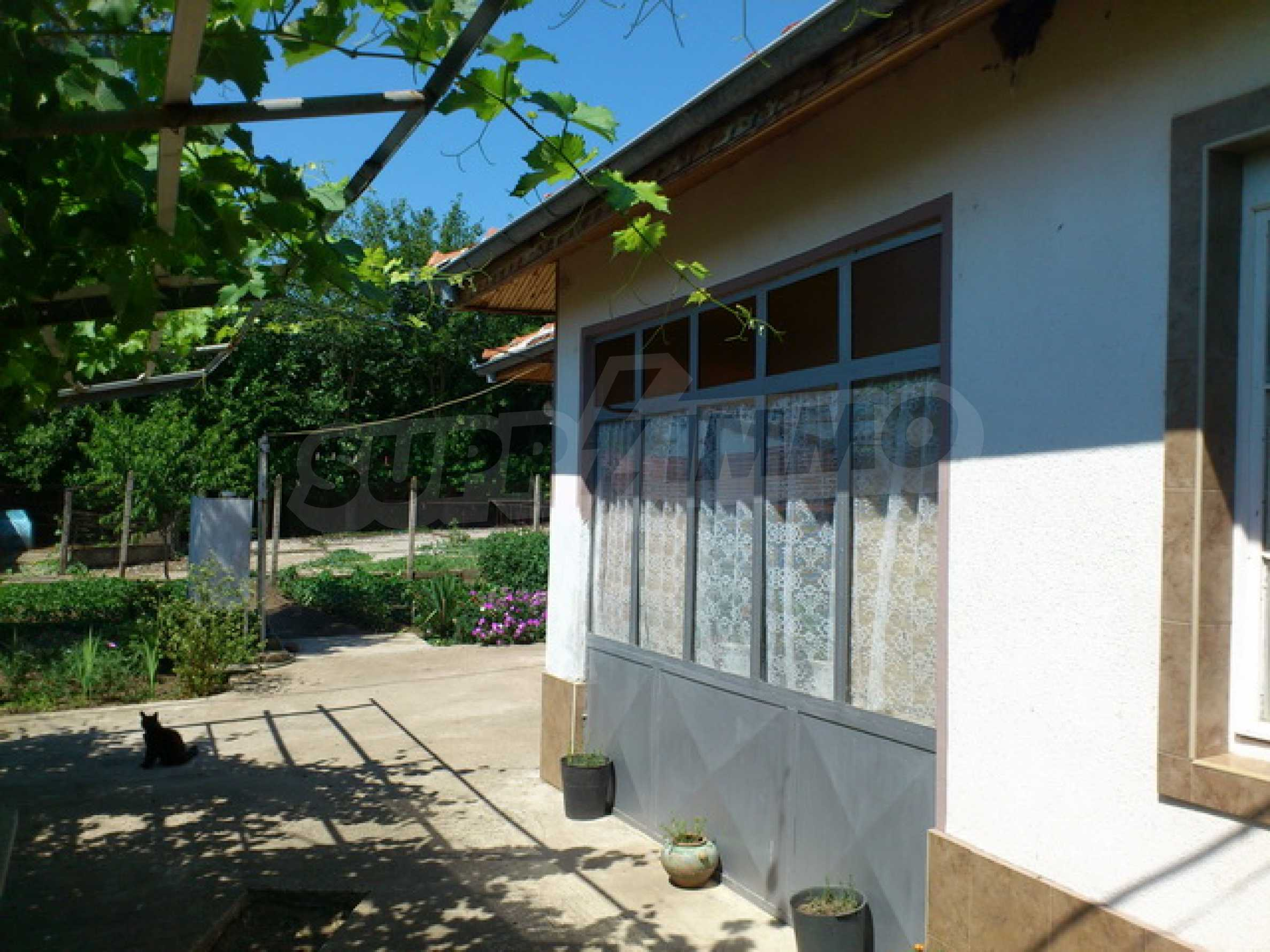 Отремонтированный дом в отличном состоянии, в деревне в 45 км. от Велико Тырново 29