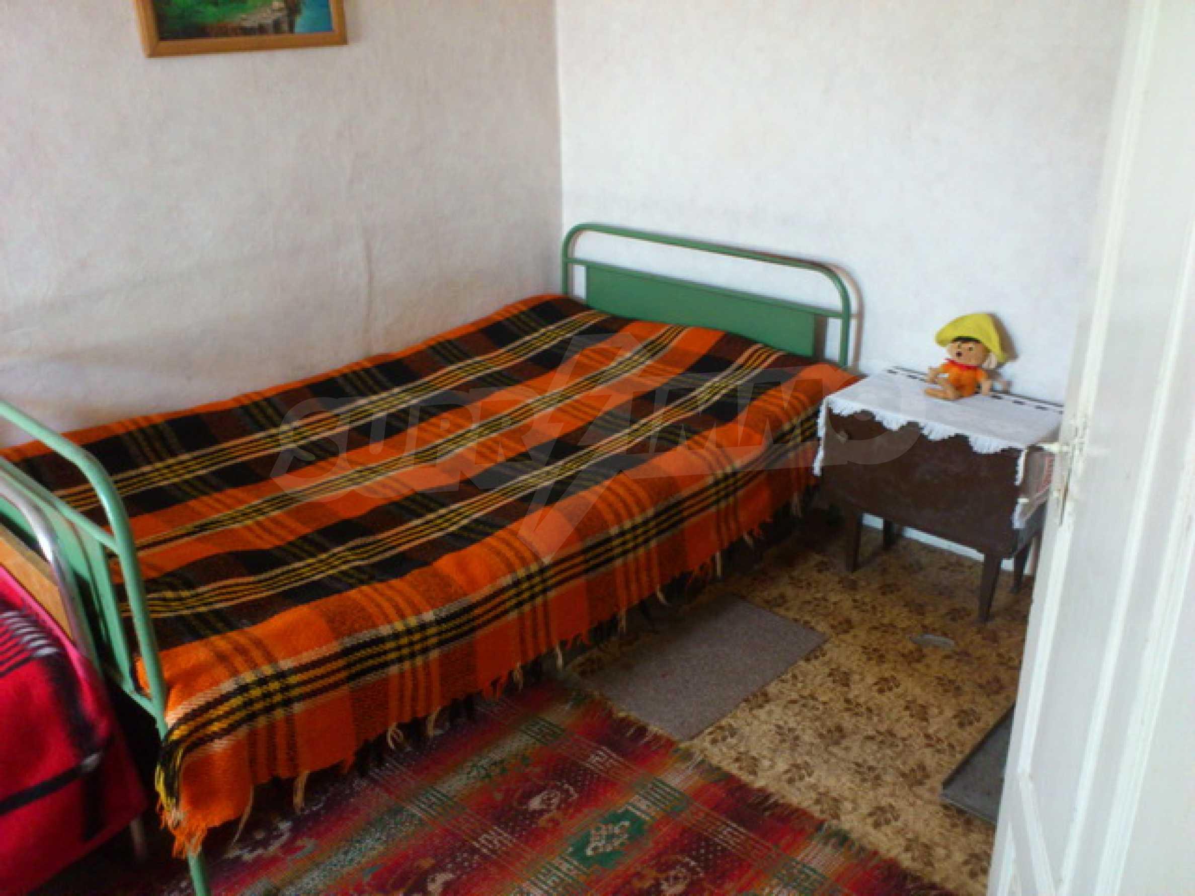 Отремонтированный дом в отличном состоянии, в деревне в 45 км. от Велико Тырново 34
