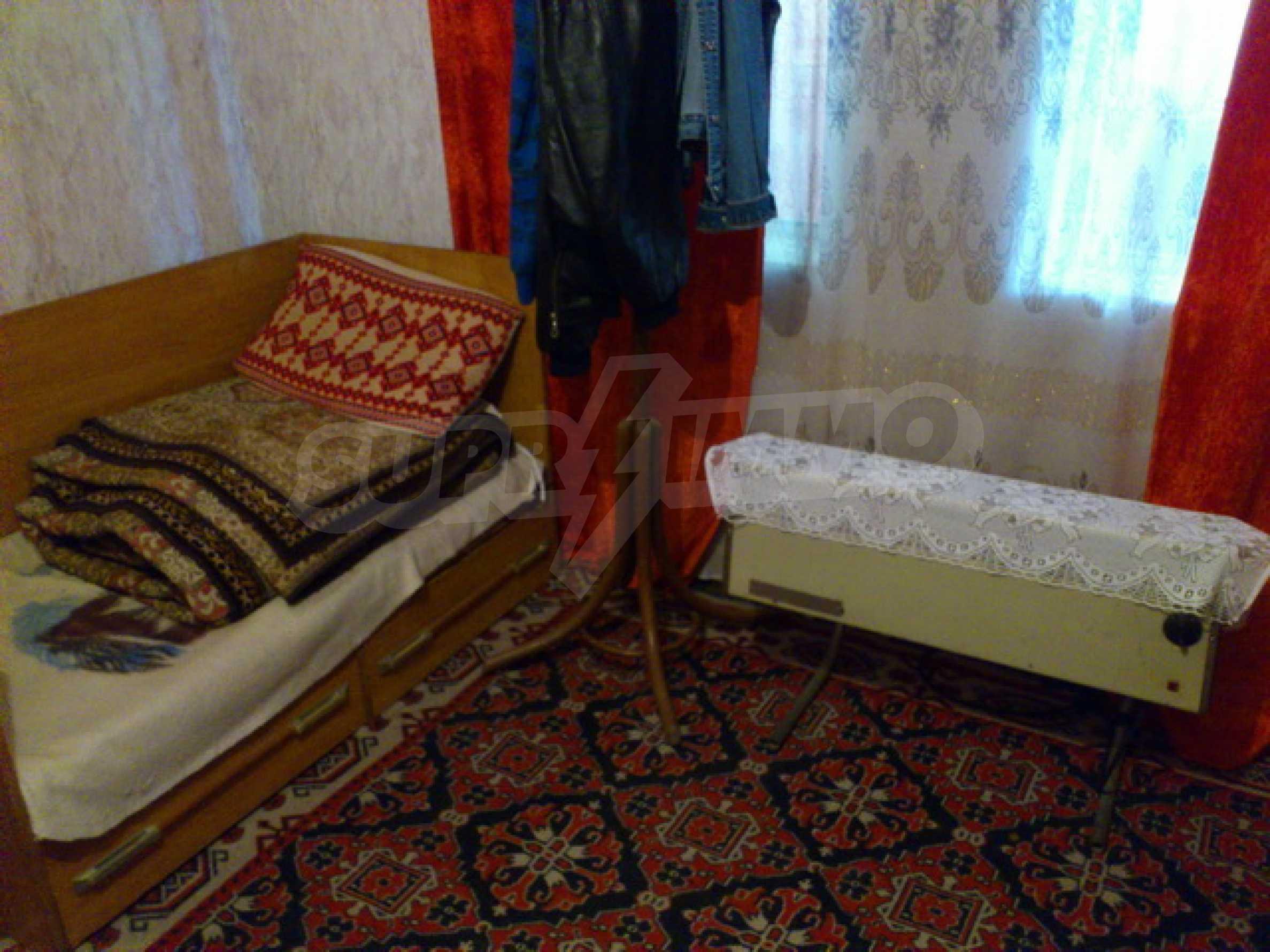Отремонтированный дом в отличном состоянии, в деревне в 45 км. от Велико Тырново 36
