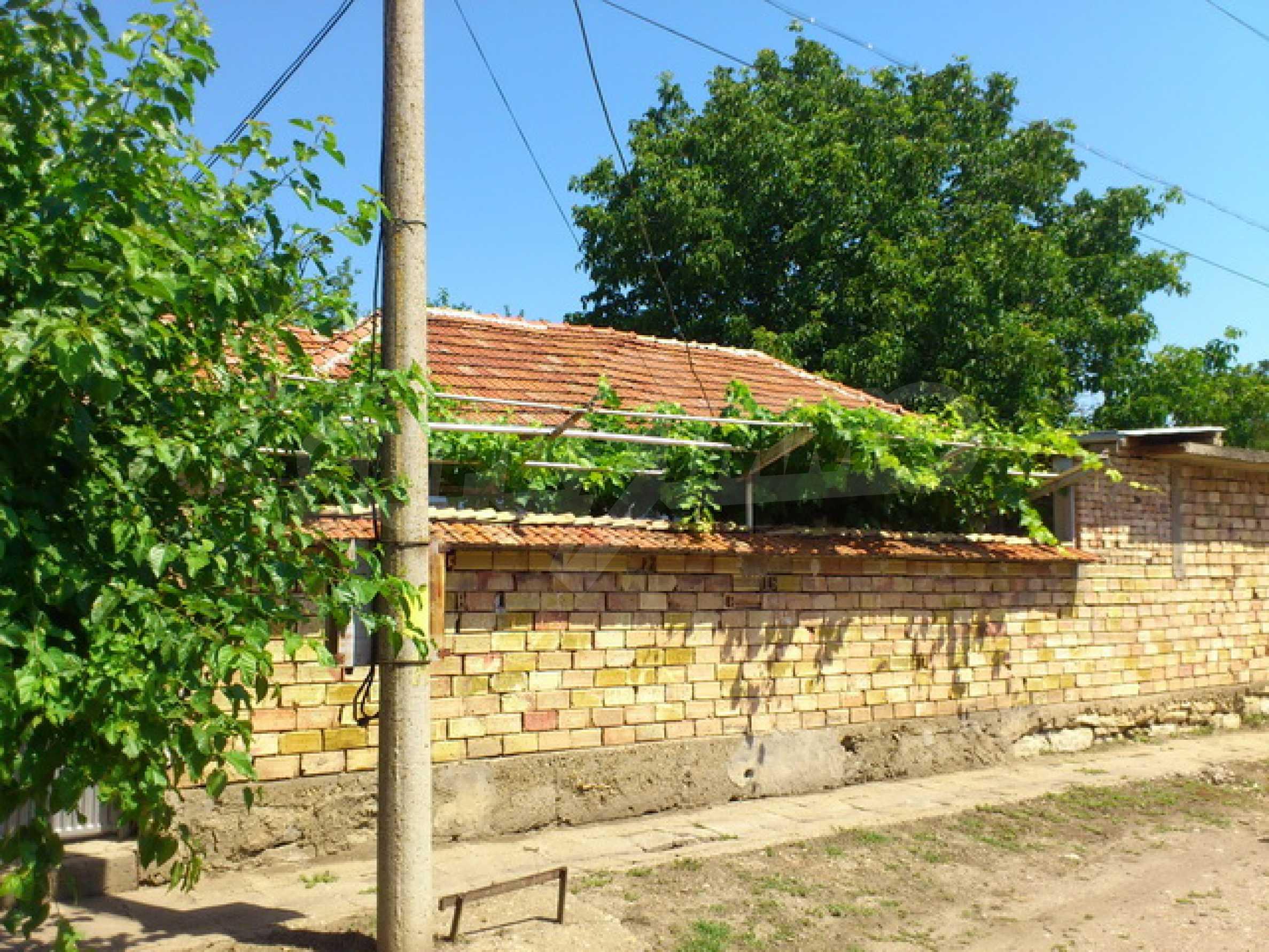 Отремонтированный дом в отличном состоянии, в деревне в 45 км. от Велико Тырново 39
