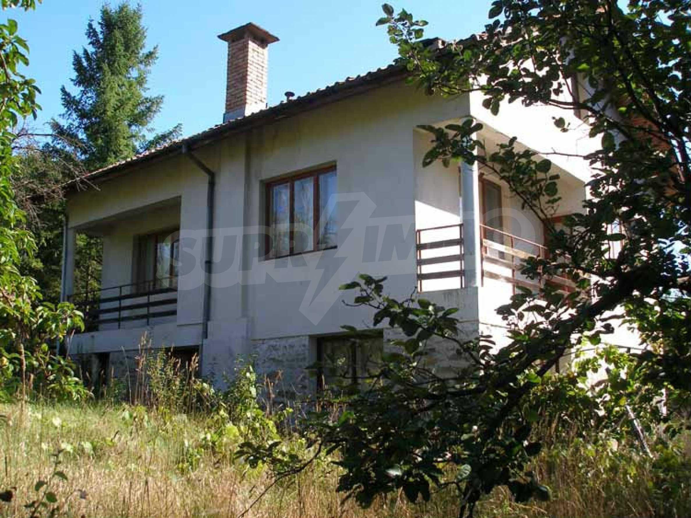 Neues Haus in einem ruhigen Dorf 1