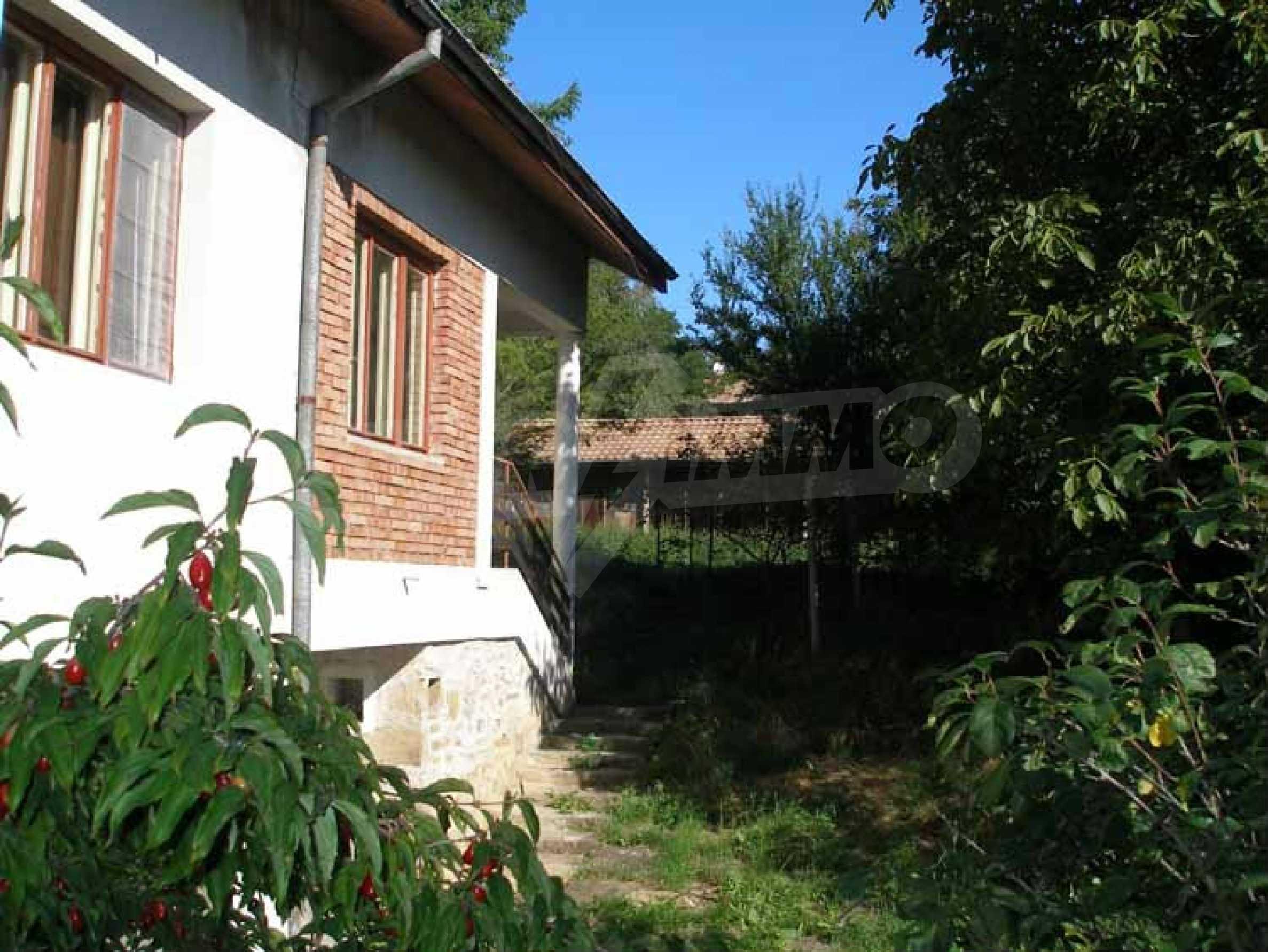 Neues Haus in einem ruhigen Dorf 2