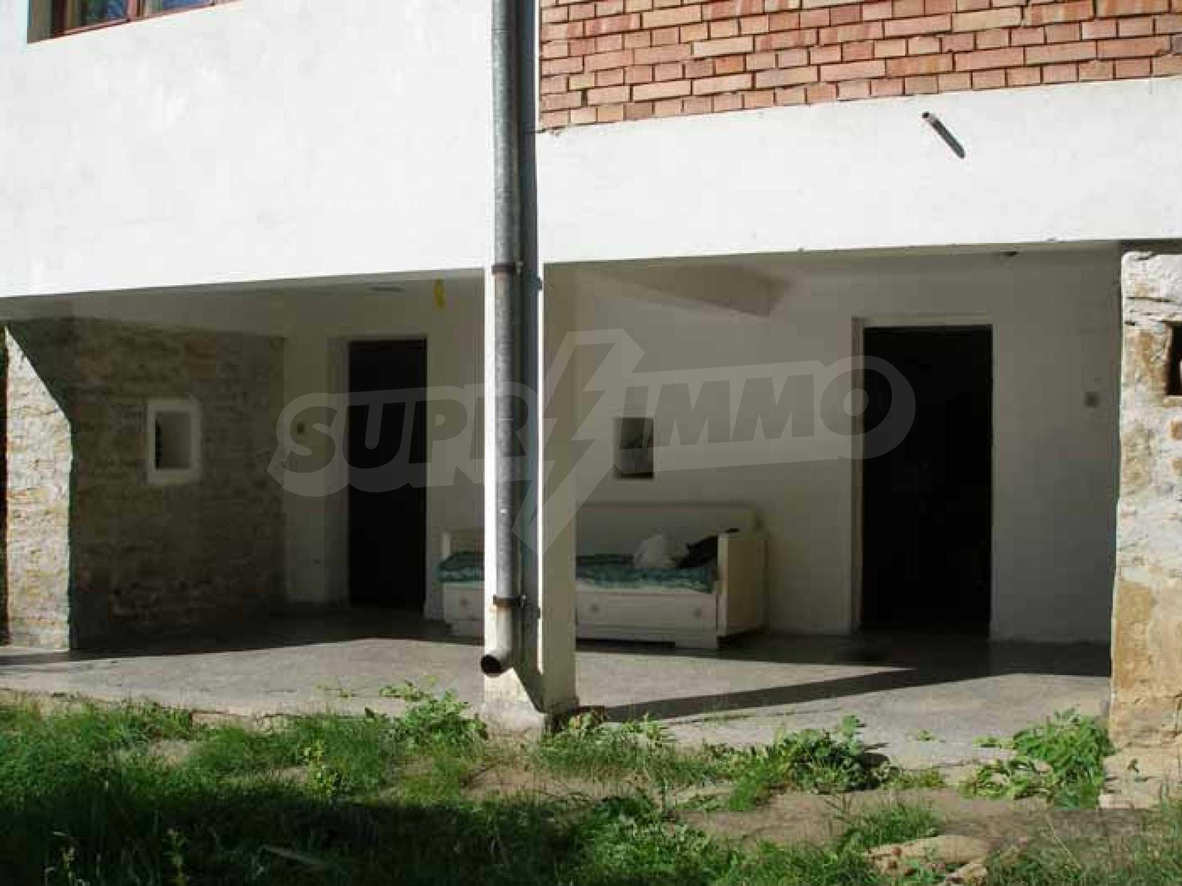 Neues Haus in einem ruhigen Dorf 4