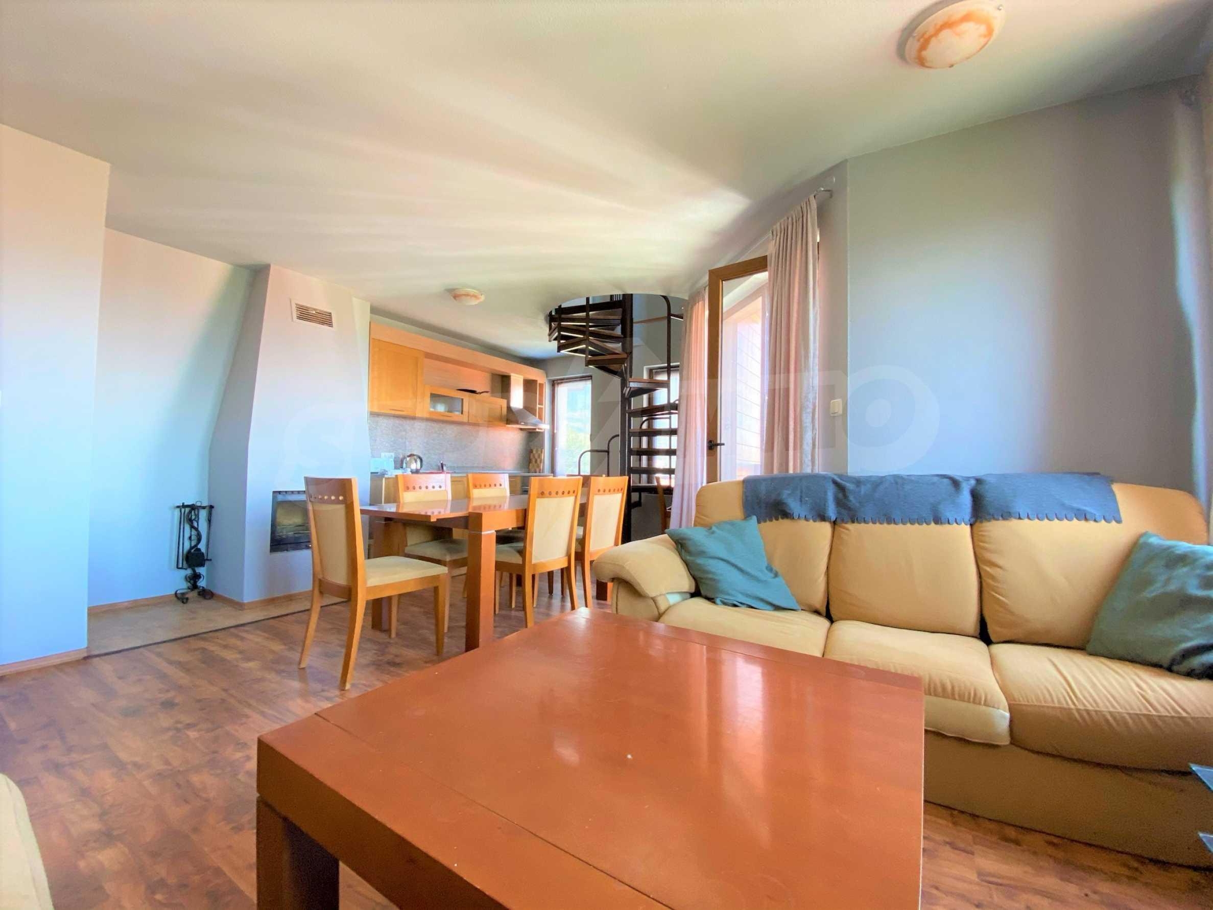 Апартамент с три спални с уникална панорамна гледка към Пирин планина в луксозен комплекс 2