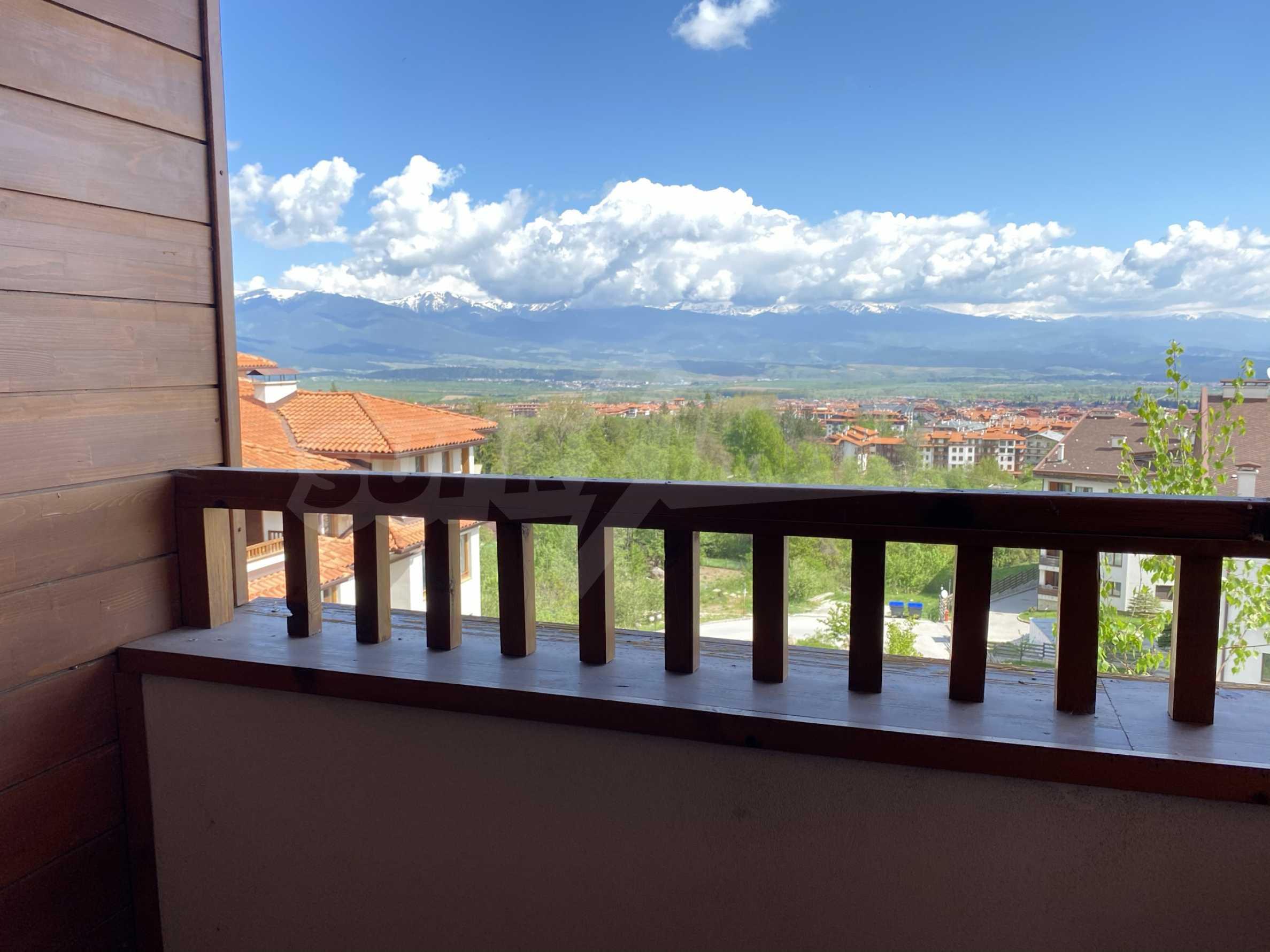 Апартамент с три спални с уникална панорамна гледка към Пирин планина в луксозен комплекс 4