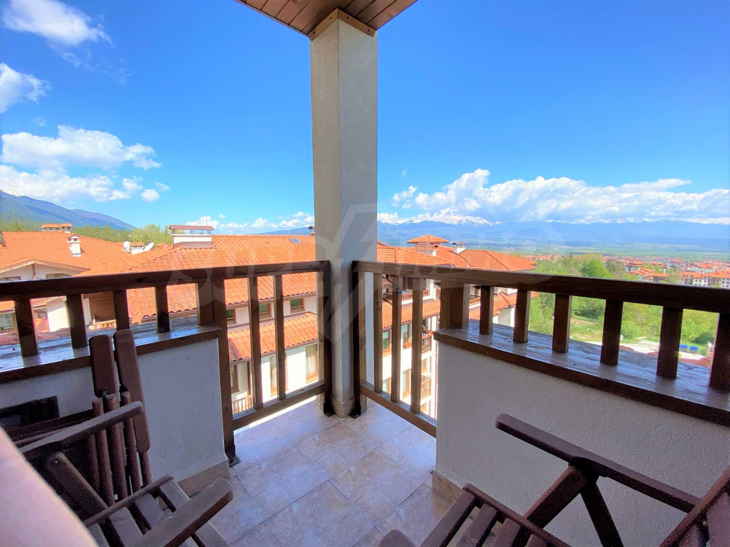 Апартамент с три спални с уникална панорамна гледка към Пирин планина в луксозен комплекс 6