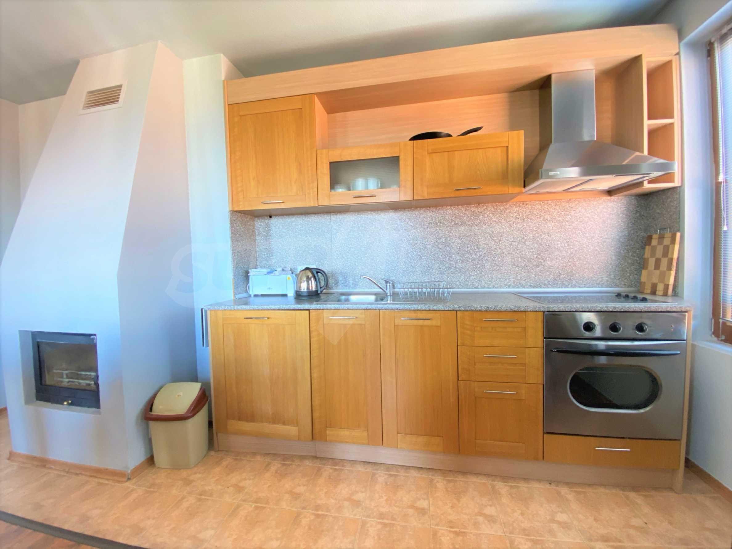 Апартамент с три спални с уникална панорамна гледка към Пирин планина в луксозен комплекс 7