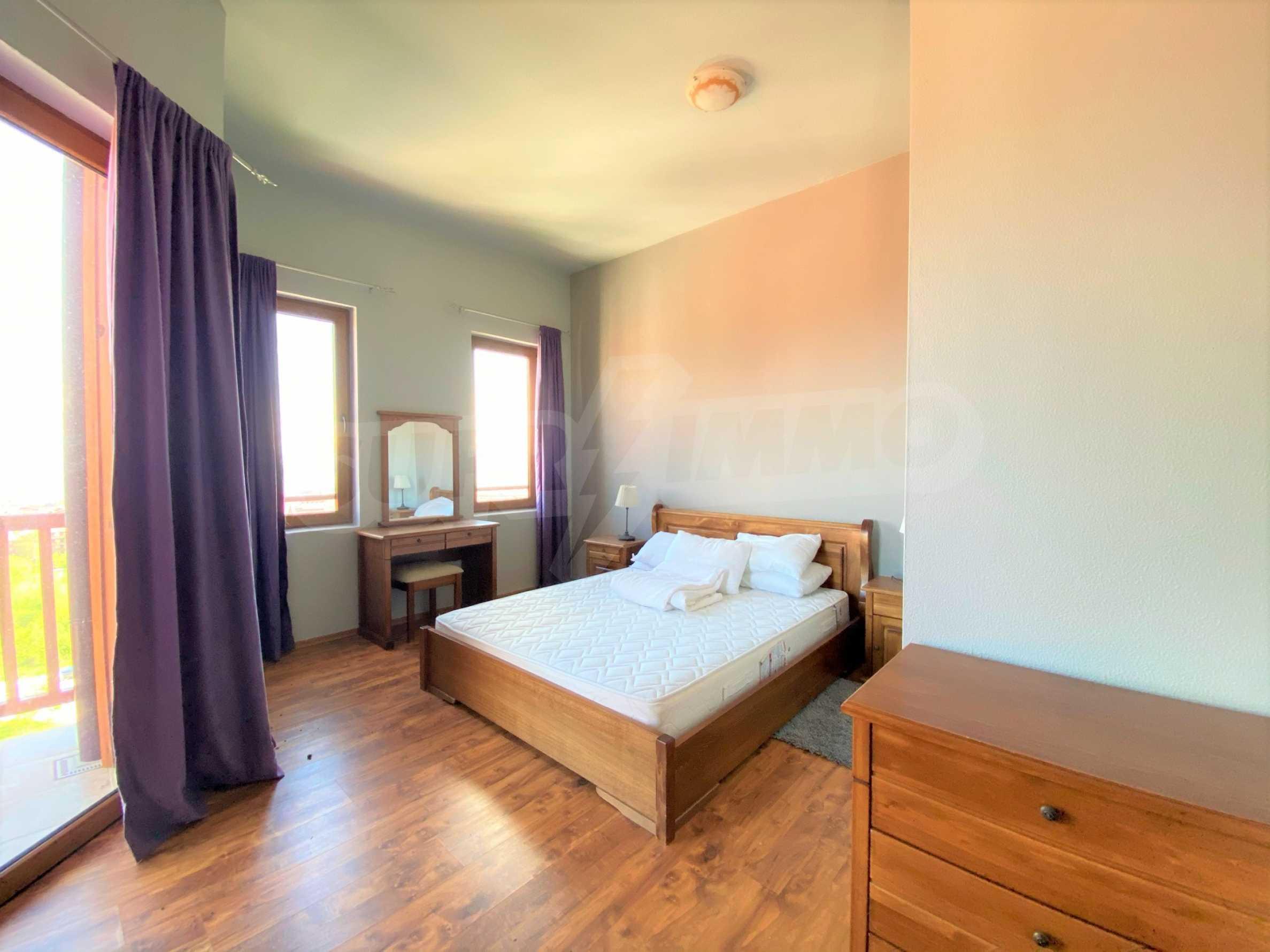Апартамент с три спални с уникална панорамна гледка към Пирин планина в луксозен комплекс 8
