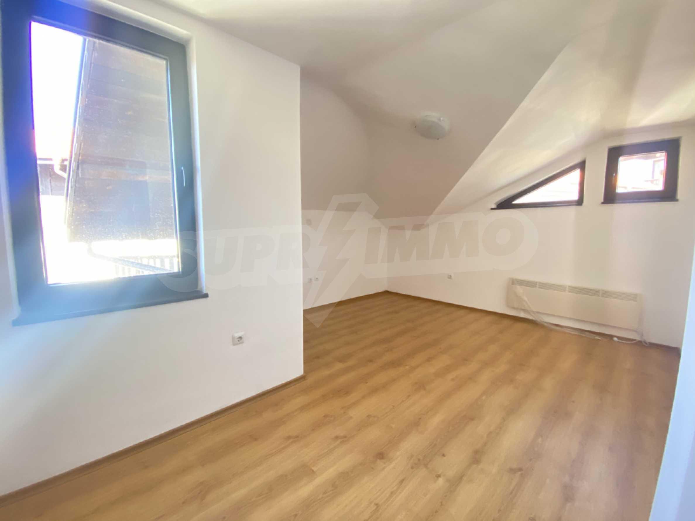 Необзаведен двустаен апартамент в СПА комплекс в Банско 2