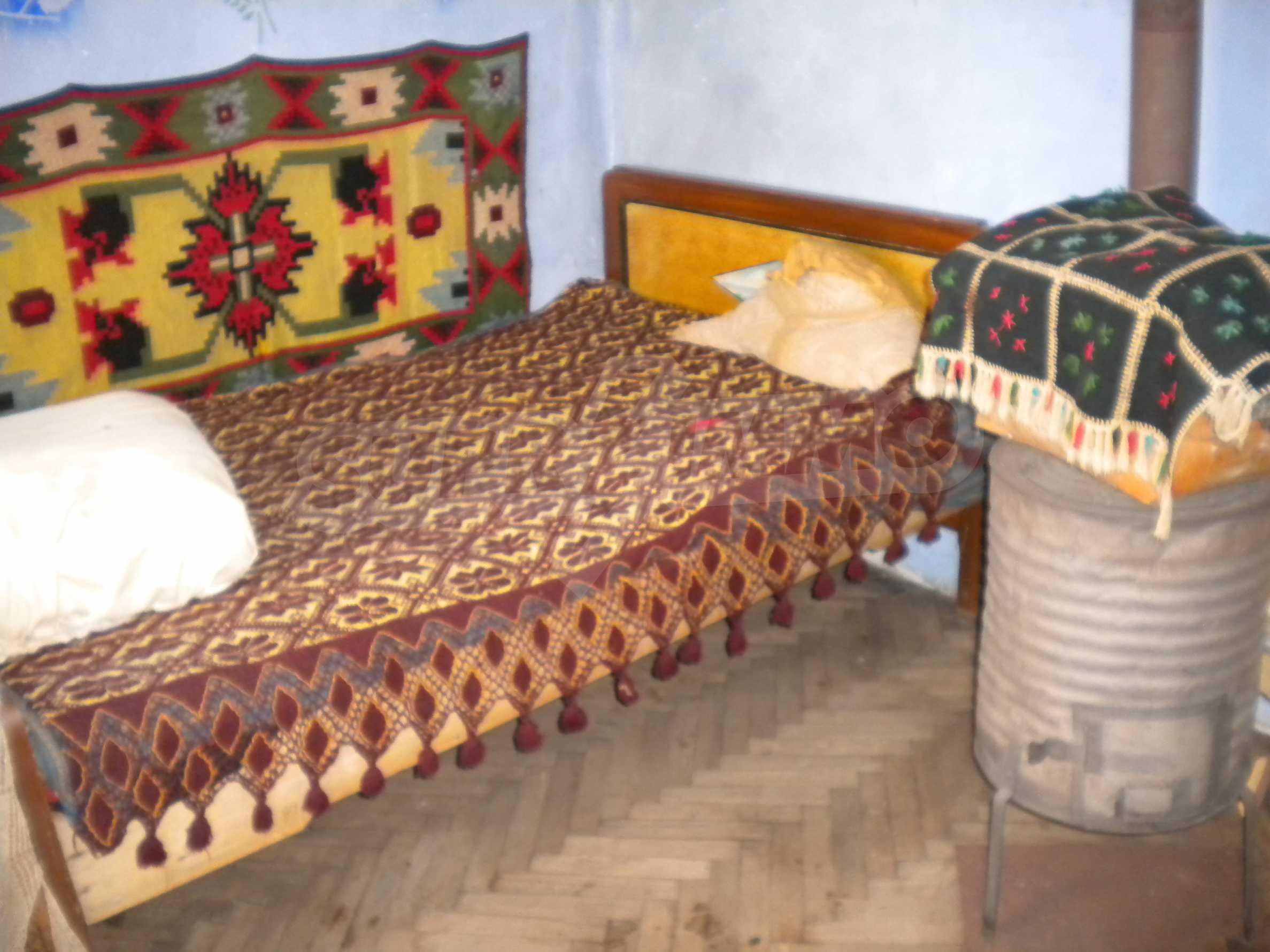 Къща на два етажа в полите на Стара планина близо до Белоградчик 10