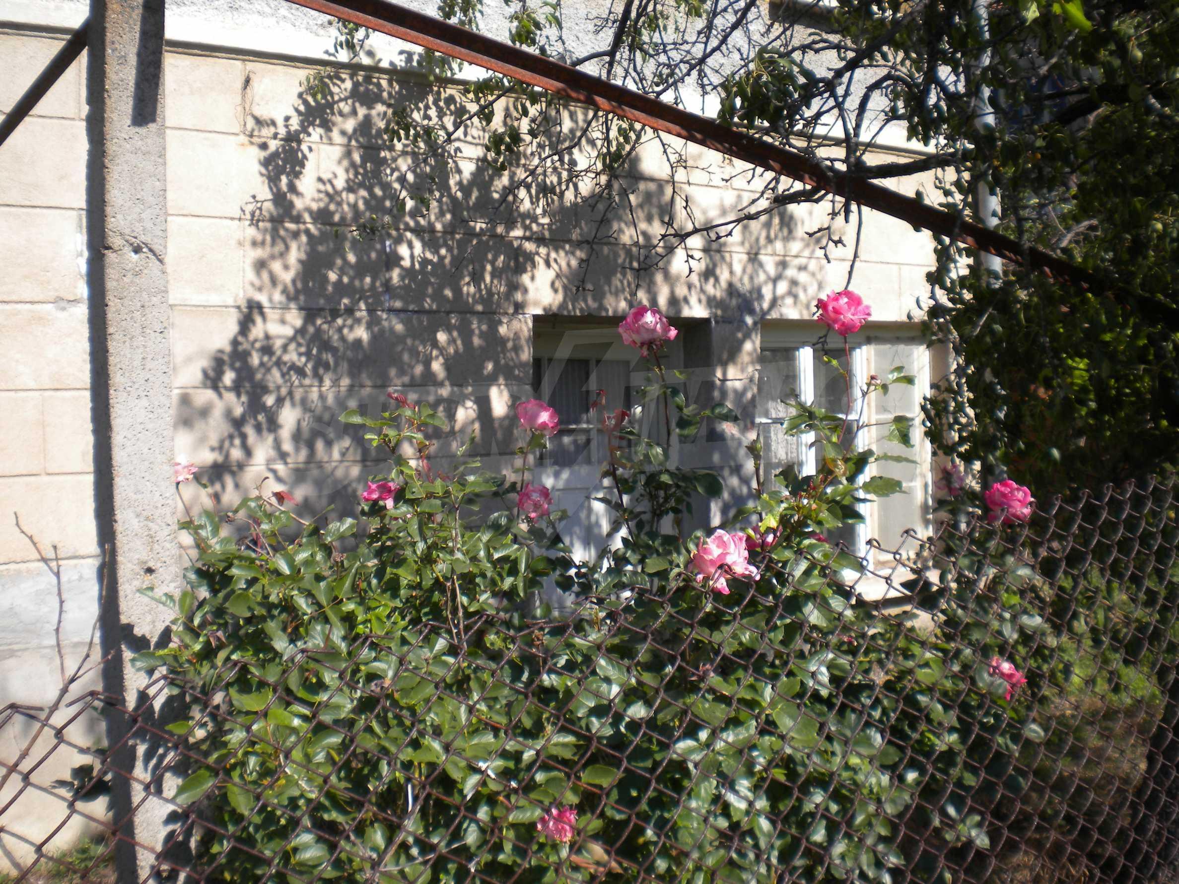 Къща на два етажа в полите на Стара планина близо до Белоградчик 23
