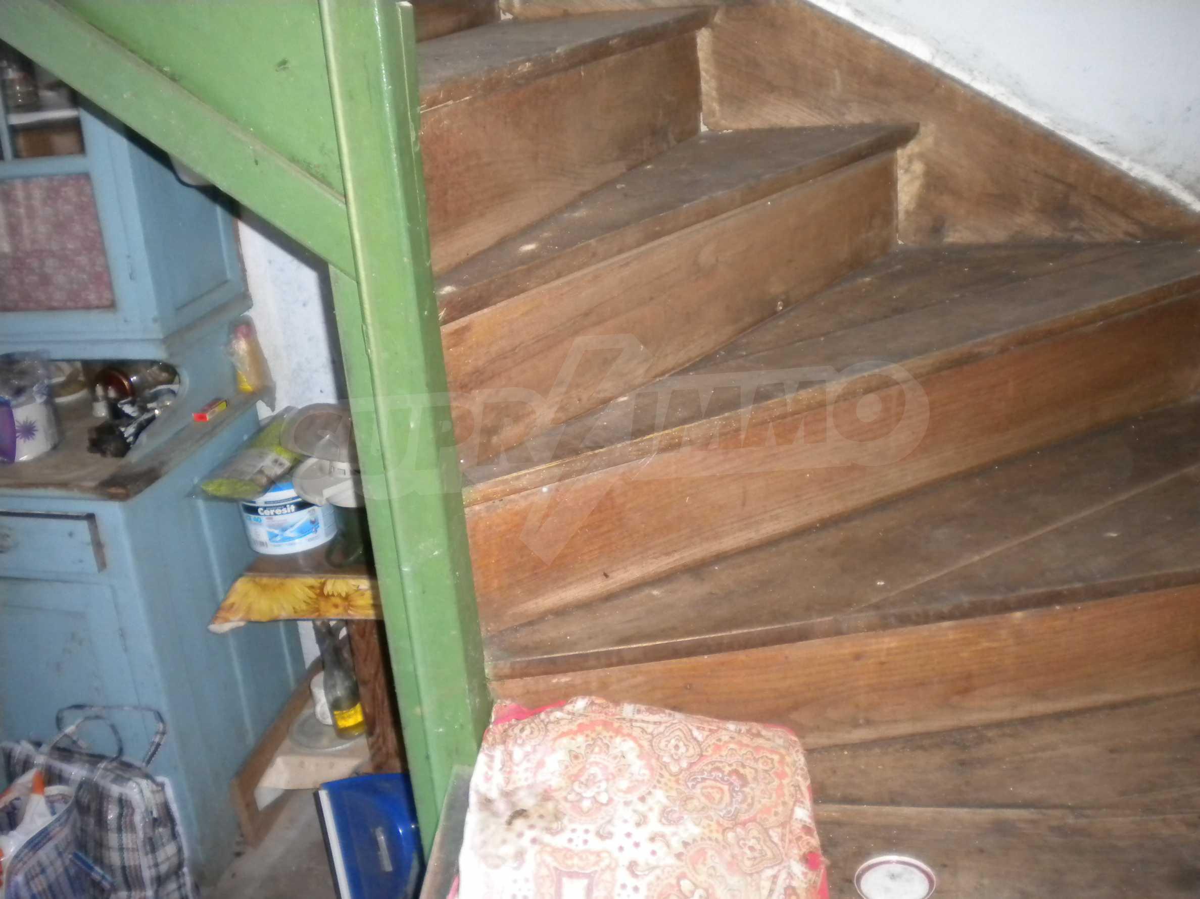 Къща на два етажа в полите на Стара планина близо до Белоградчик 8