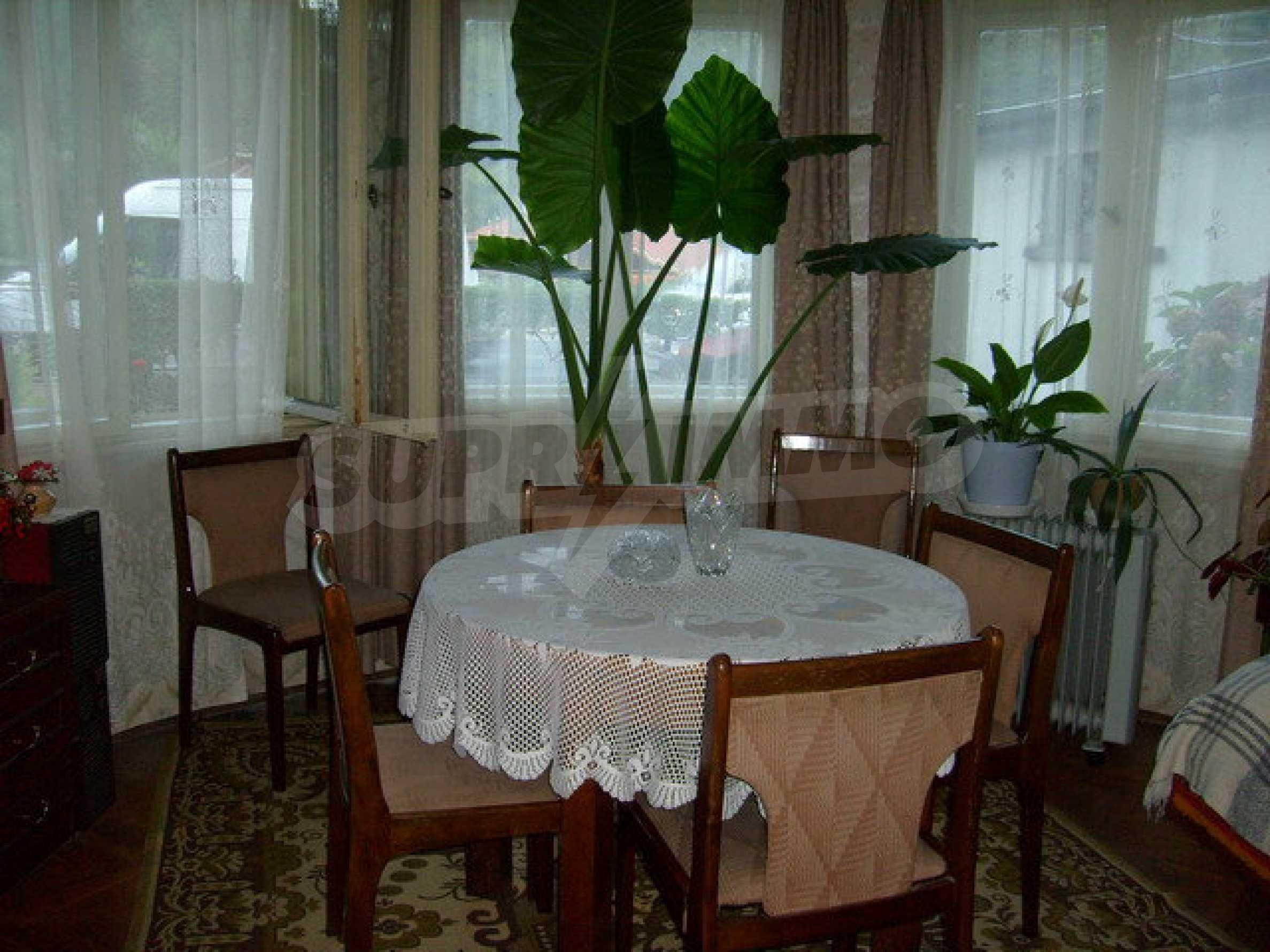 Zweigeschossiges Stadthaus, geeignet für zwei Familien in Gabrovo 9