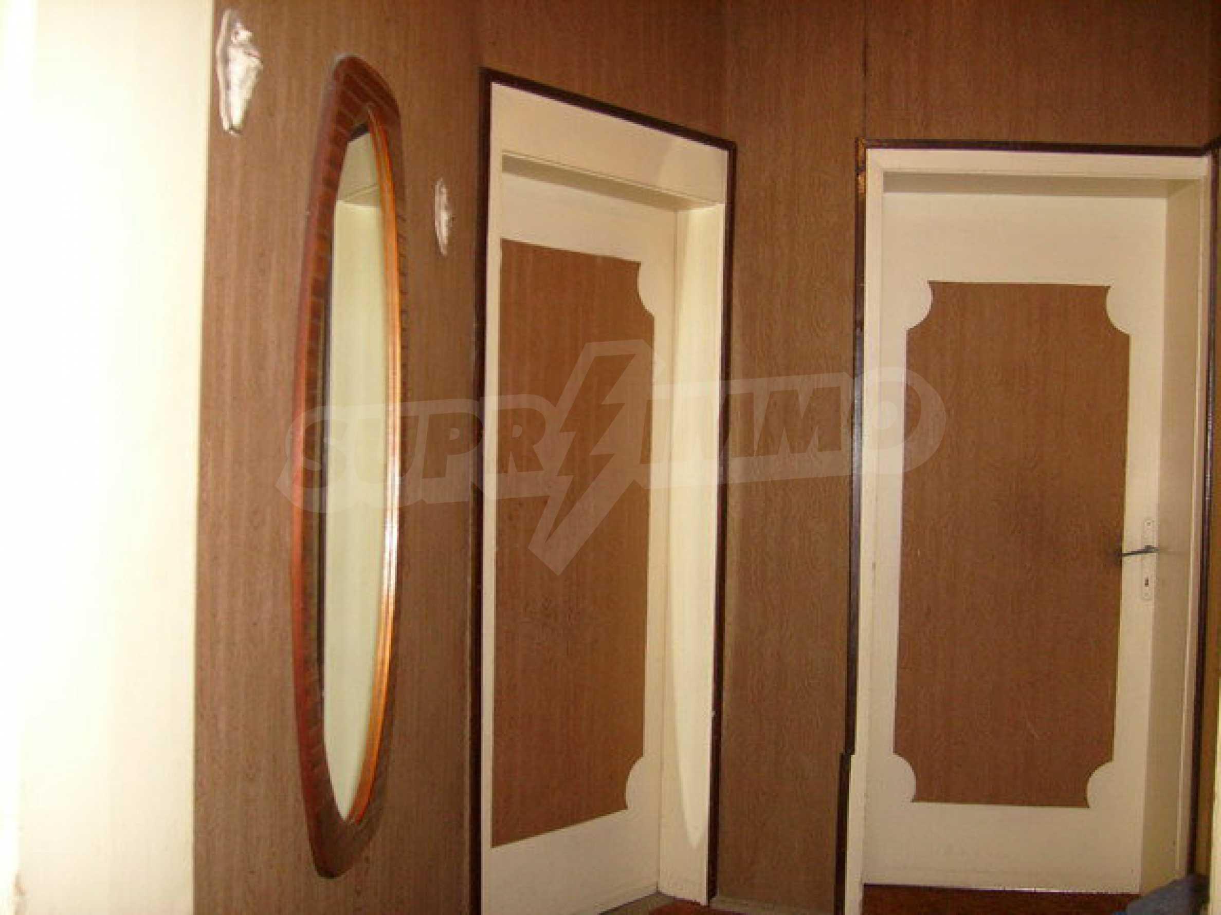 Zweigeschossiges Stadthaus, geeignet für zwei Familien in Gabrovo 12