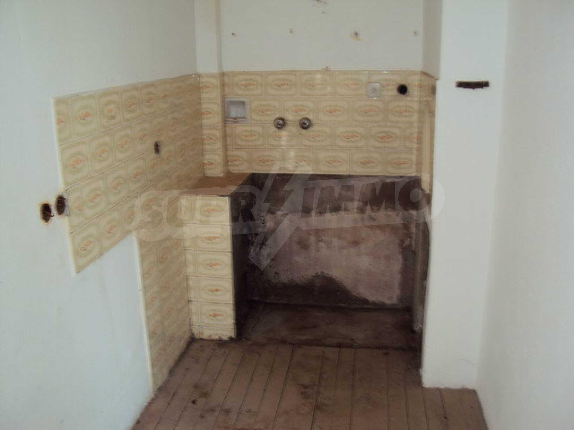 Geräumiges Haus mit Hof, Garage und Nebengebäude in Dryanovo 12