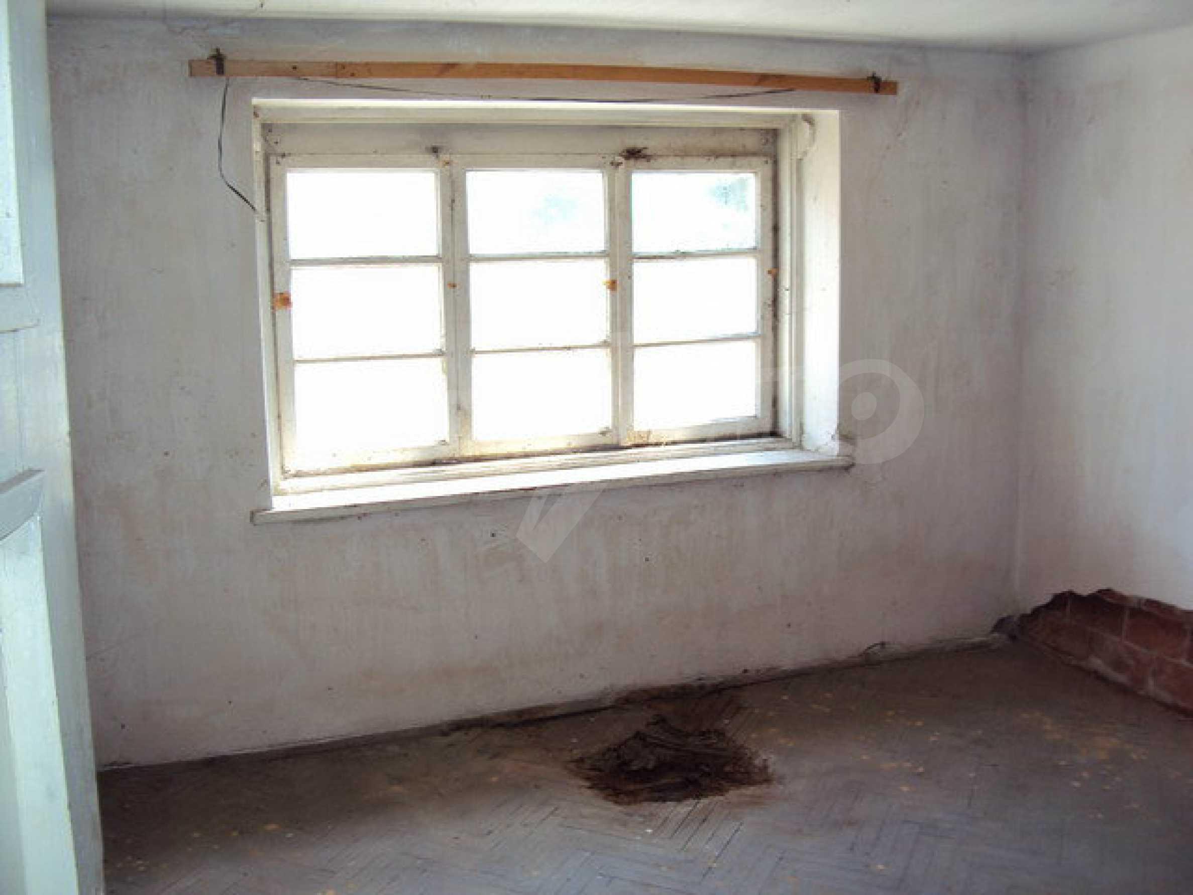 Geräumiges Haus mit Hof, Garage und Nebengebäude in Dryanovo 27