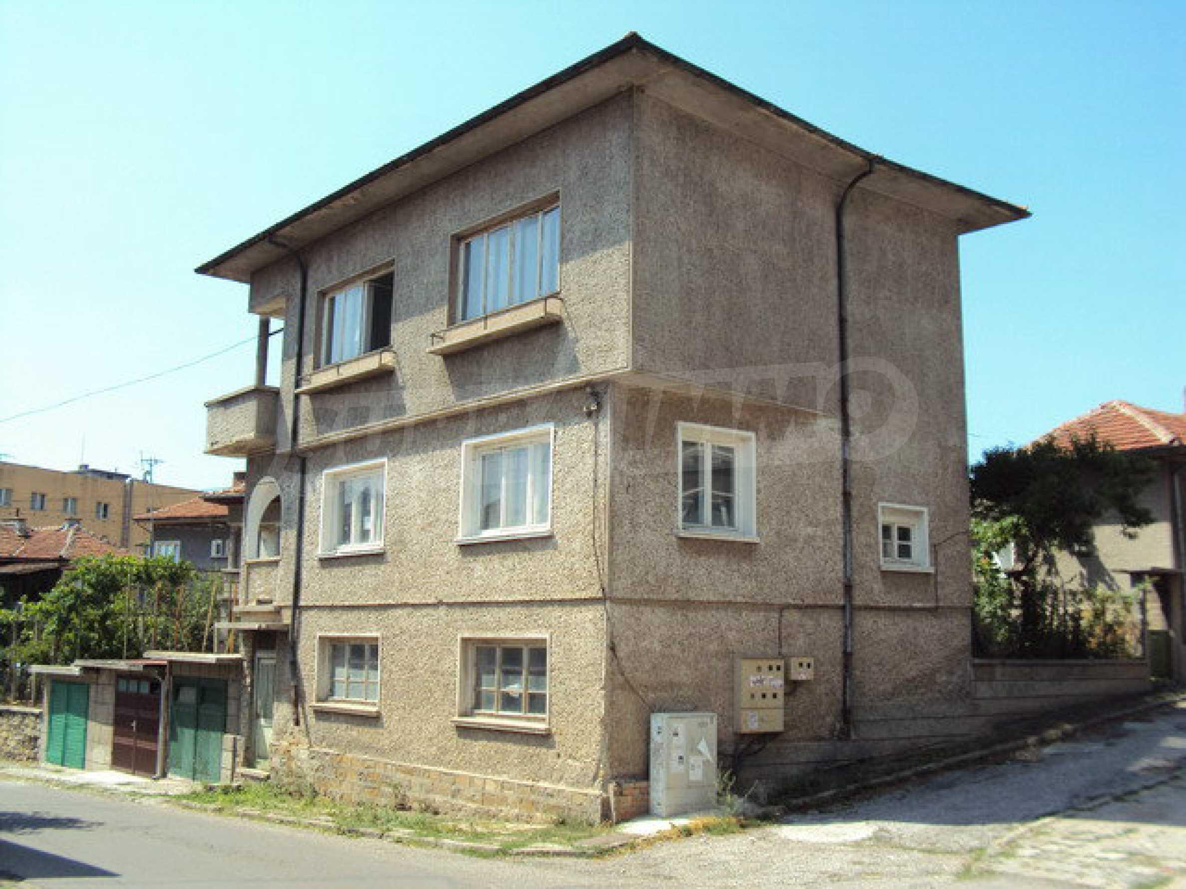 Geräumiges Haus mit Hof, Garage und Nebengebäude in Dryanovo 31