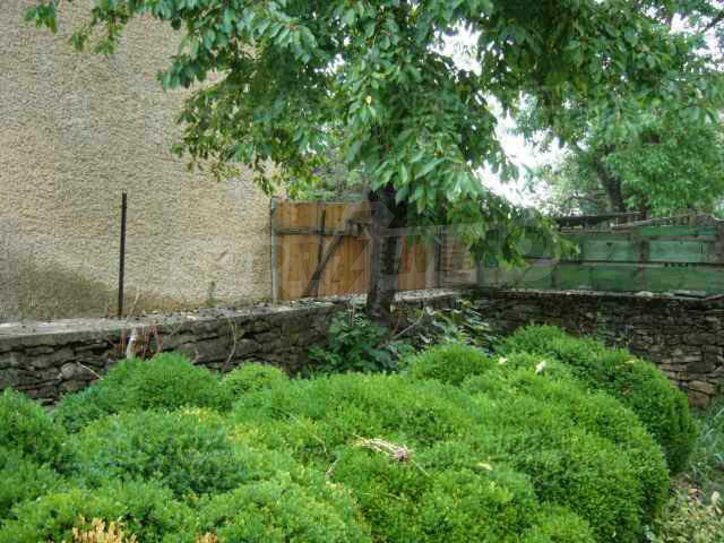 Einstöckiges Haus in einer kleinen Stadt, nur 15 km von Pavlikeni entfernt 9