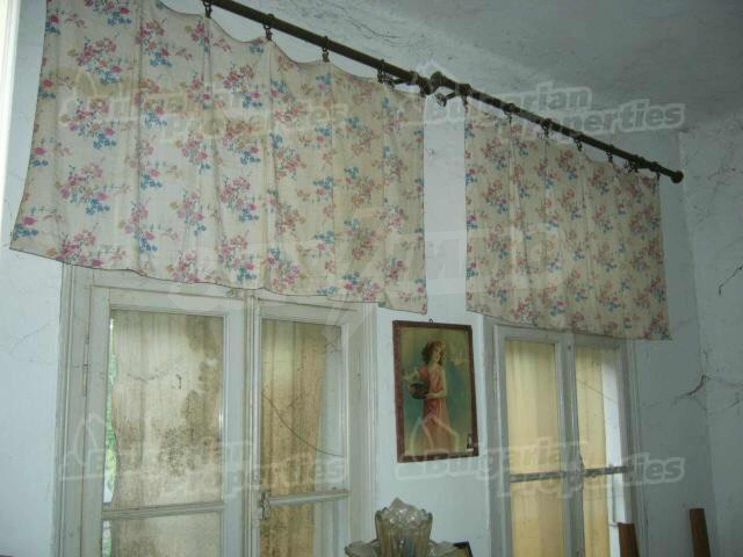 Einstöckiges Haus in einer kleinen Stadt, nur 15 km von Pavlikeni entfernt 5