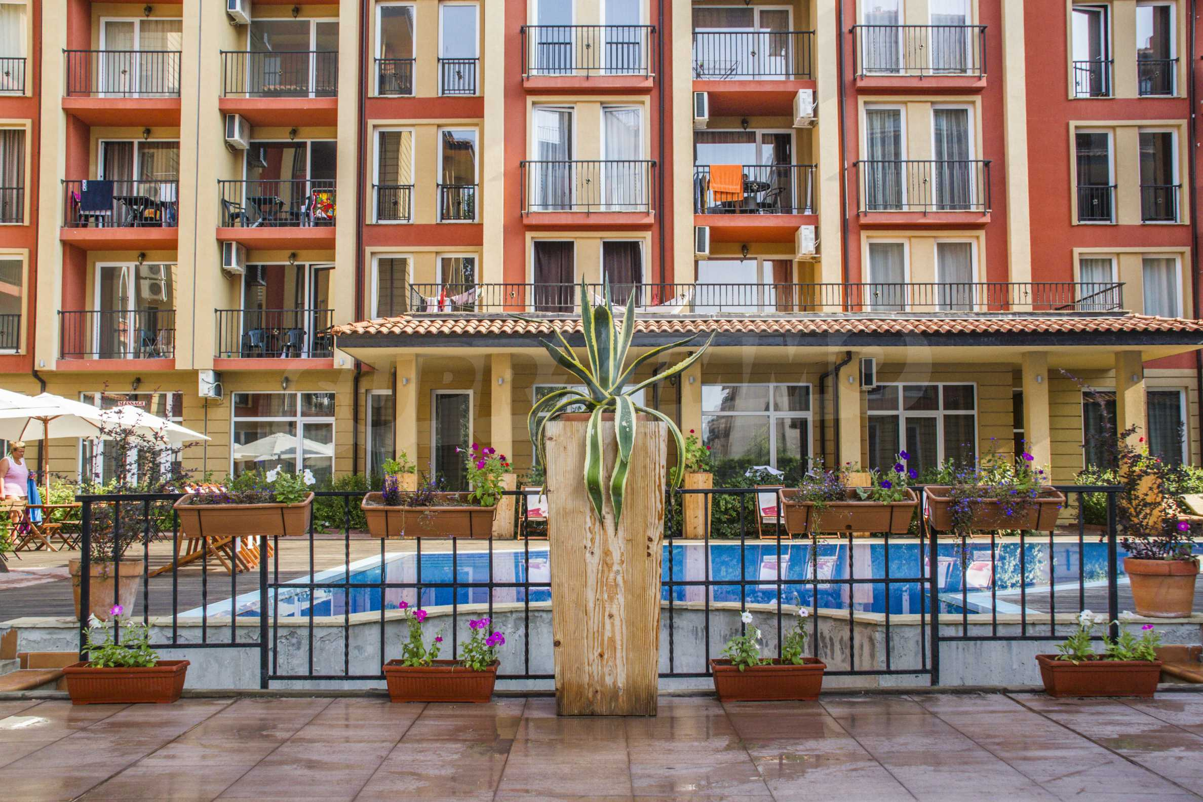 Newly furnished studio in Sunny View Central near Cacao Beach 10