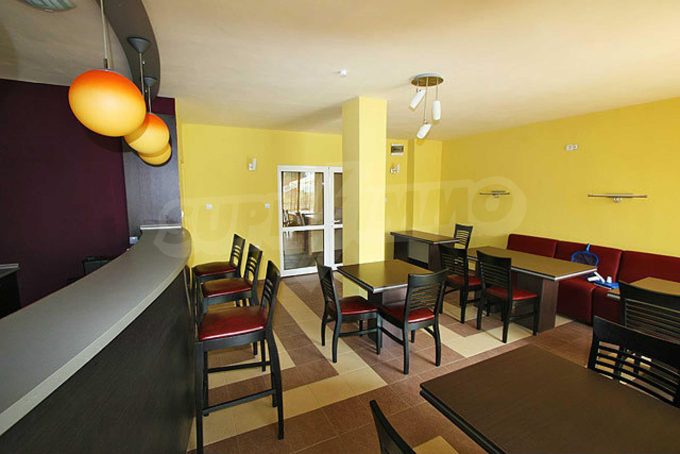 Café-Bar mit ausgestatteter Küche in Danubia Beach neben Widin und Fluss Donau 4
