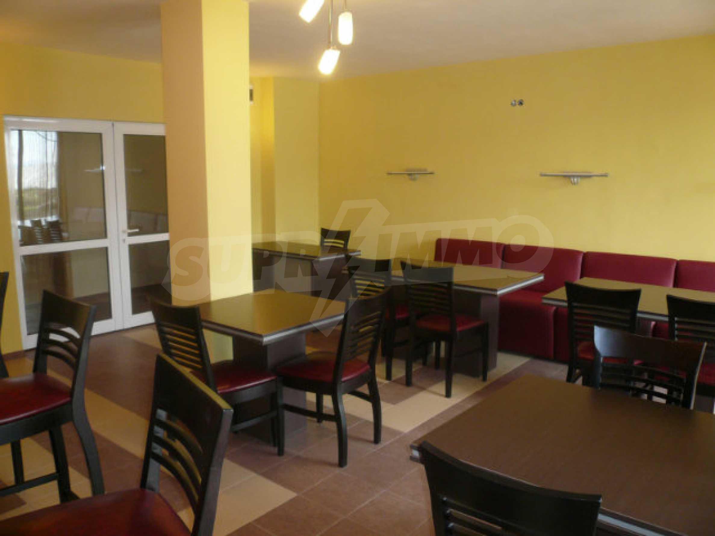 Café-Bar mit ausgestatteter Küche in Danubia Beach neben Widin und Fluss Donau 7