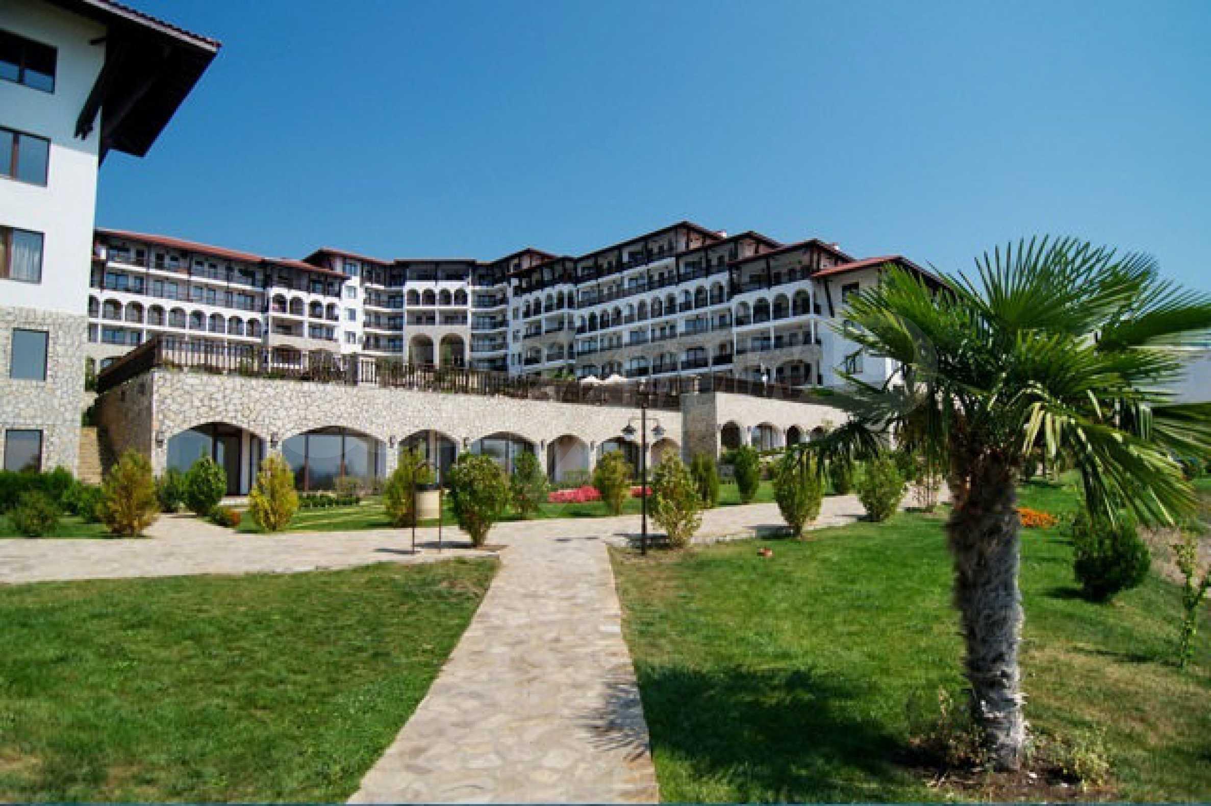 Große Wohnung in erster Meereslinie in Saint Vlas 37