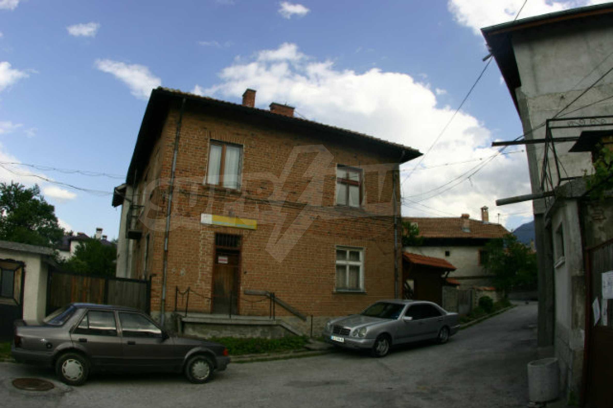 Zweistöckiges Haus in Bansko 1