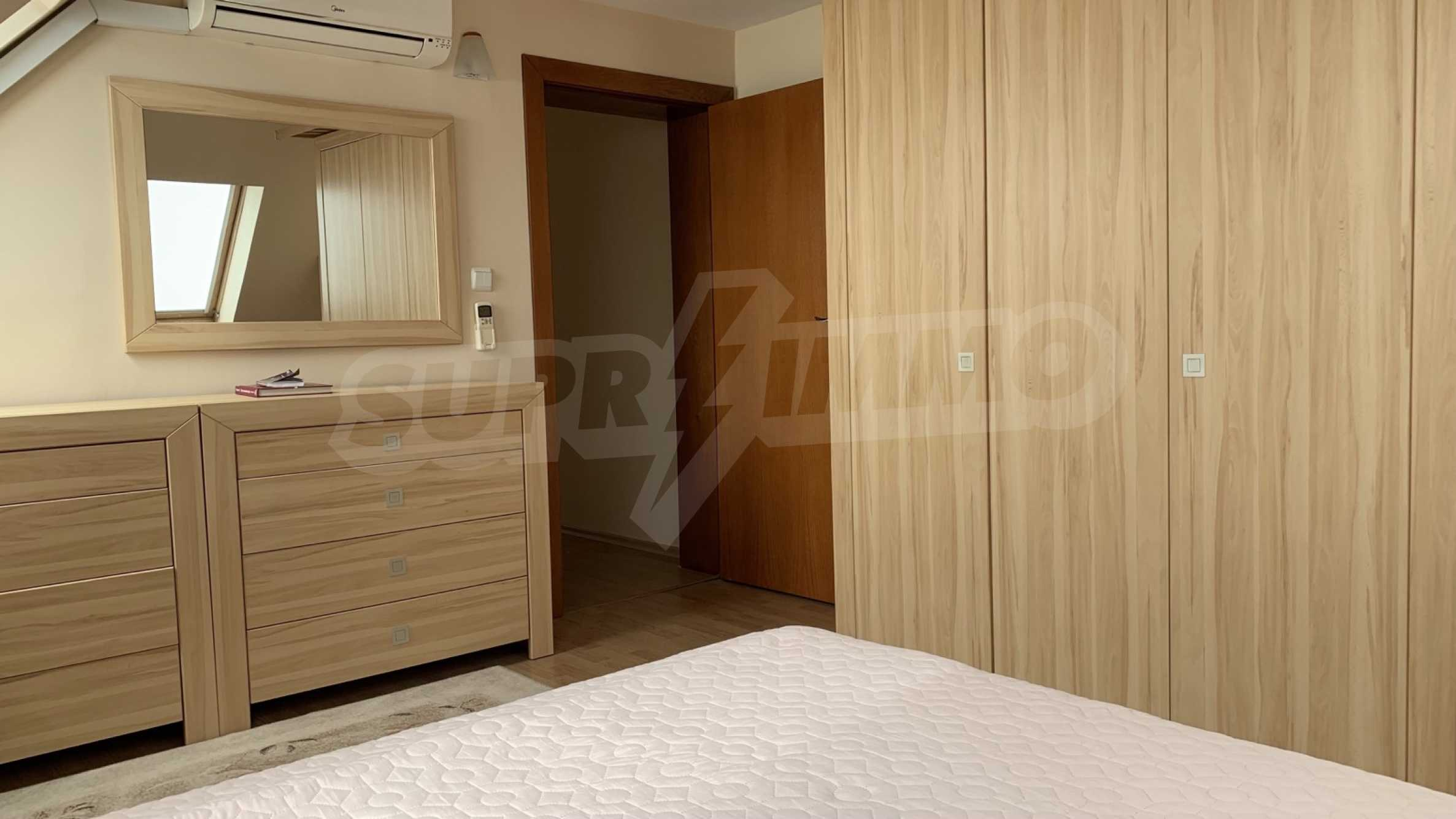 """Apartment \ """"Prism \"""" - Penthouse mit einem Schlafzimmer zur Miete im Zentrum von Varna 11"""
