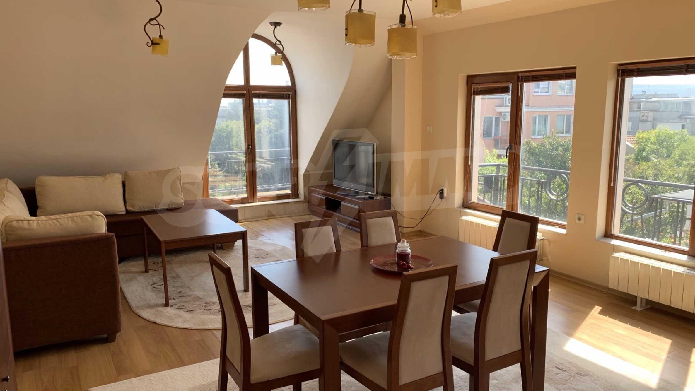 """Apartment \ """"Prism \"""" - Penthouse mit einem Schlafzimmer zur Miete im Zentrum von Varna 2"""