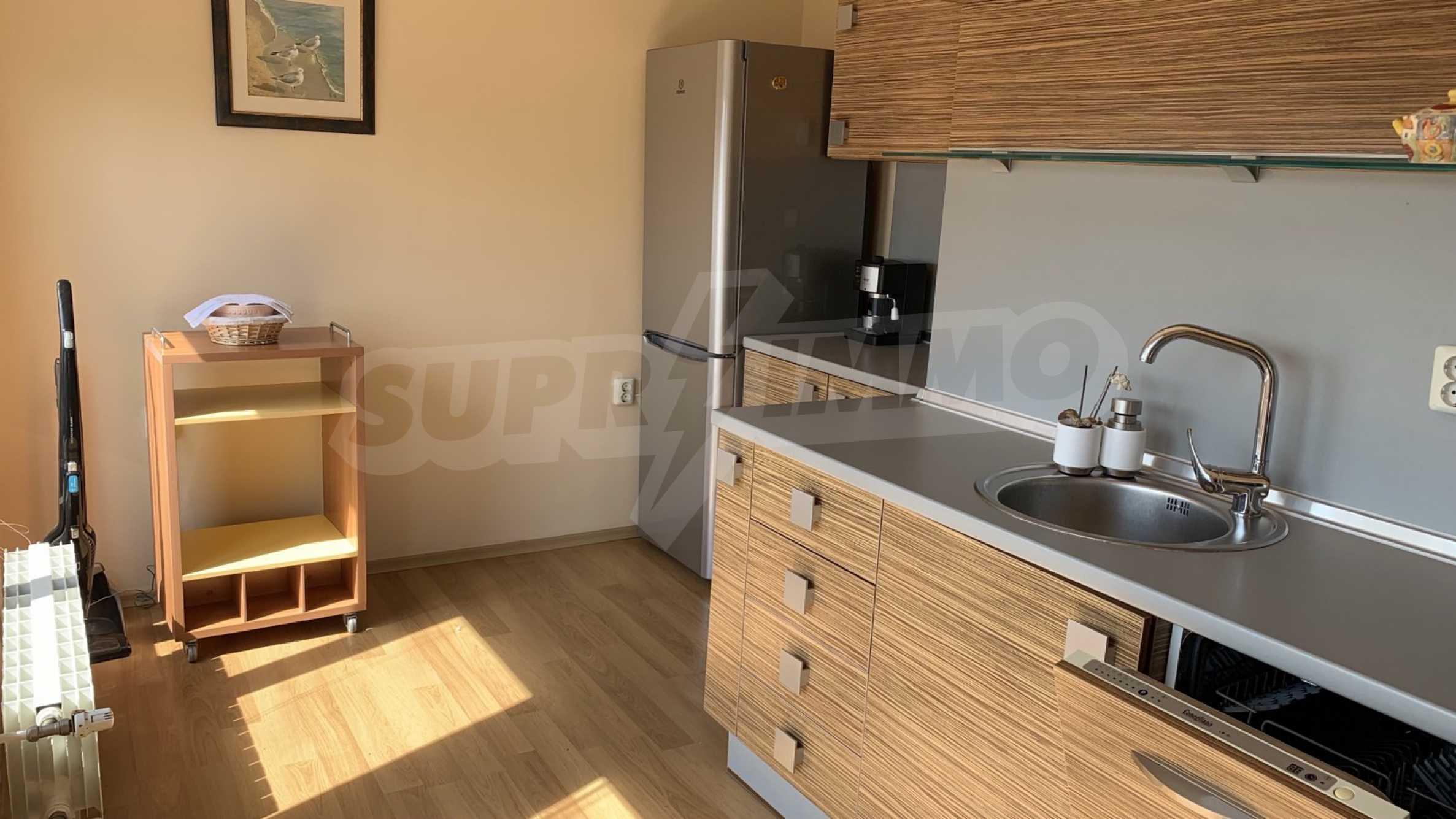 """Apartment \ """"Prism \"""" - Penthouse mit einem Schlafzimmer zur Miete im Zentrum von Varna 6"""