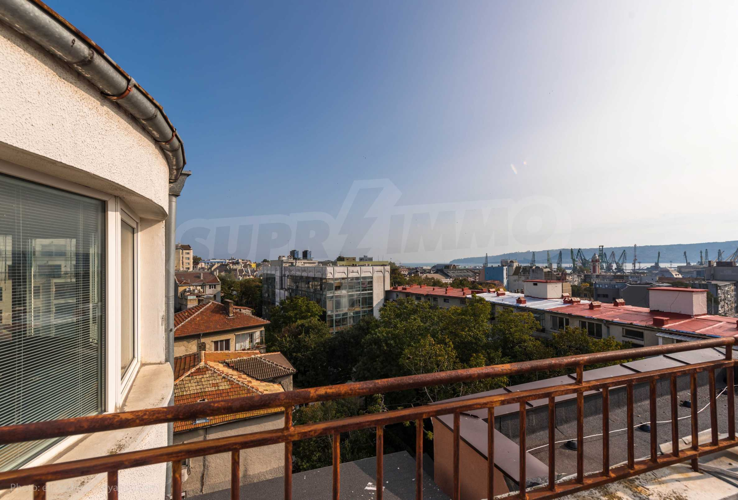 Мезонет Mиша - тристаен пентхаус в супер центъра на Варна 24