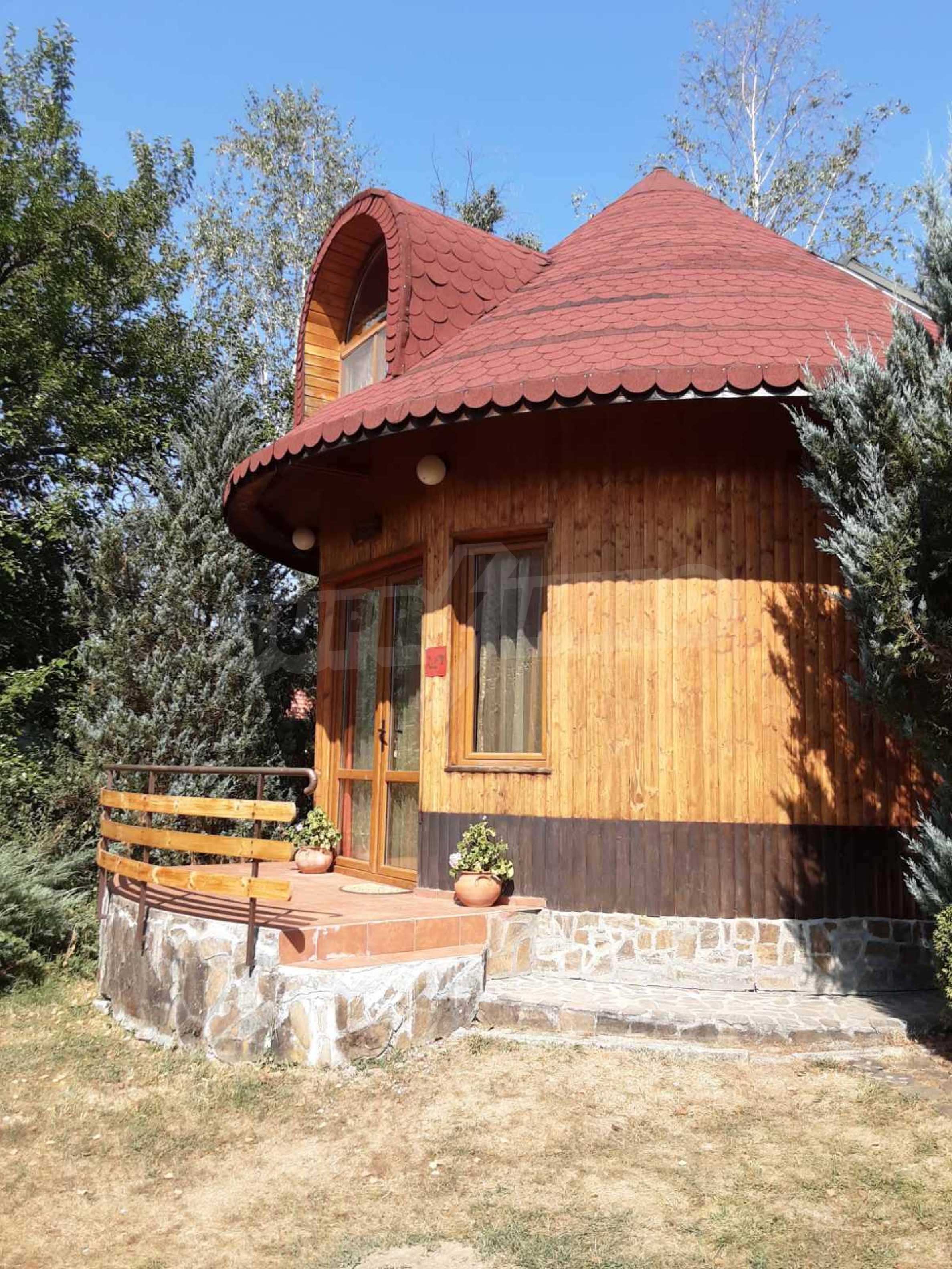 Кръгла еко къща във вилно селище в Троянския Балкан