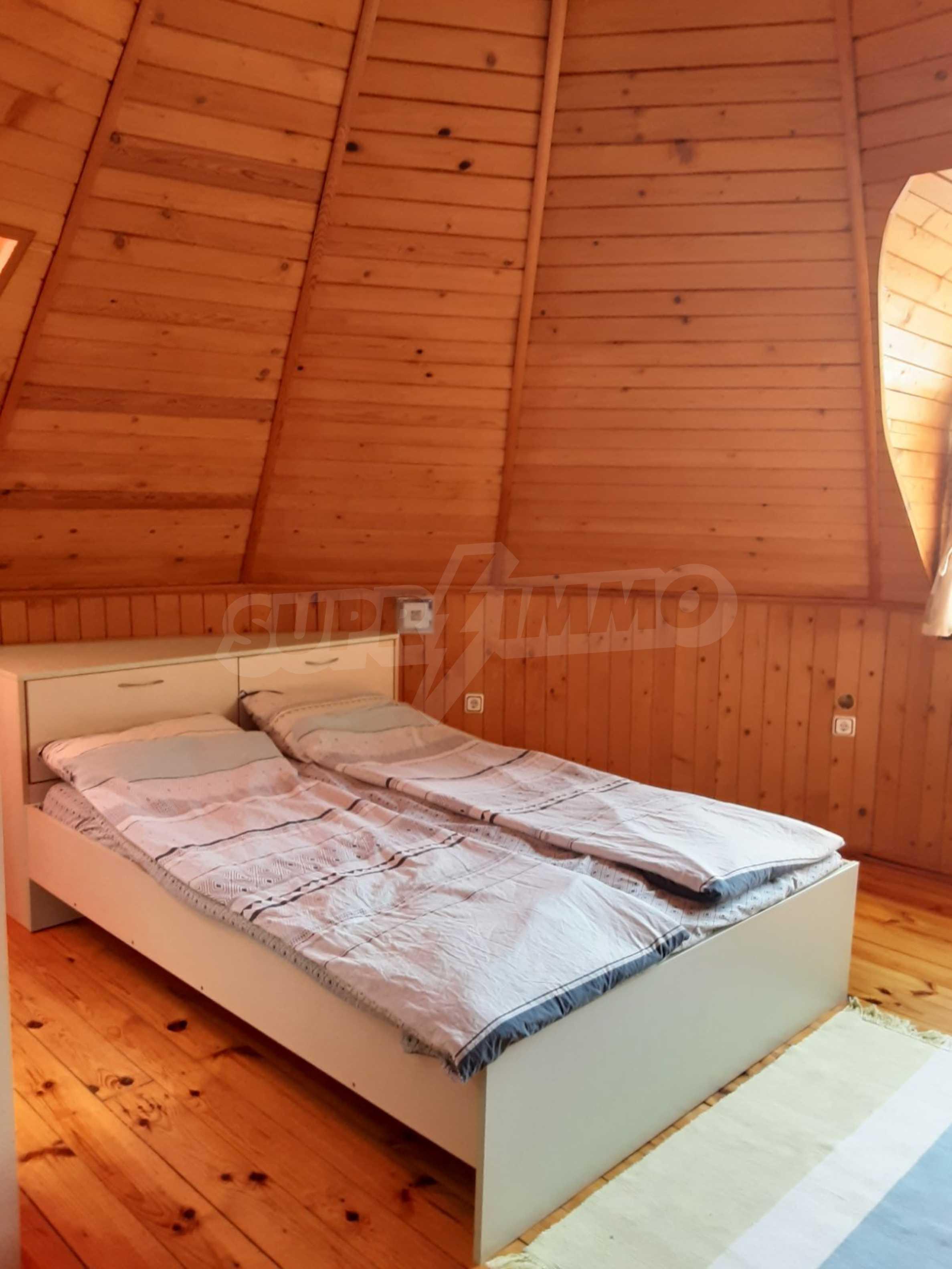 Кръгла еко къща във вилно селище в Троянския Балкан  15