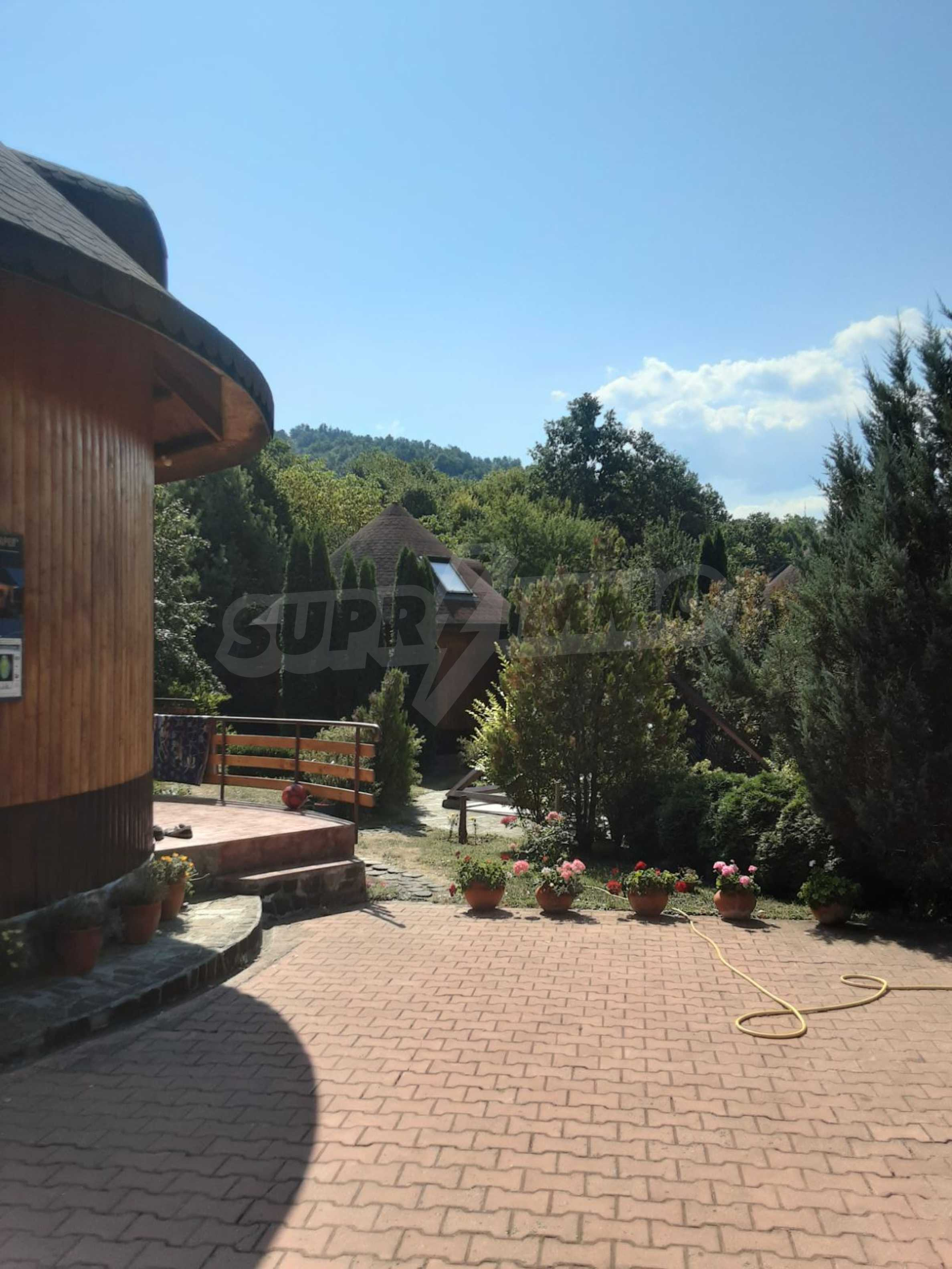 Кръгла еко къща във вилно селище в Троянския Балкан  23