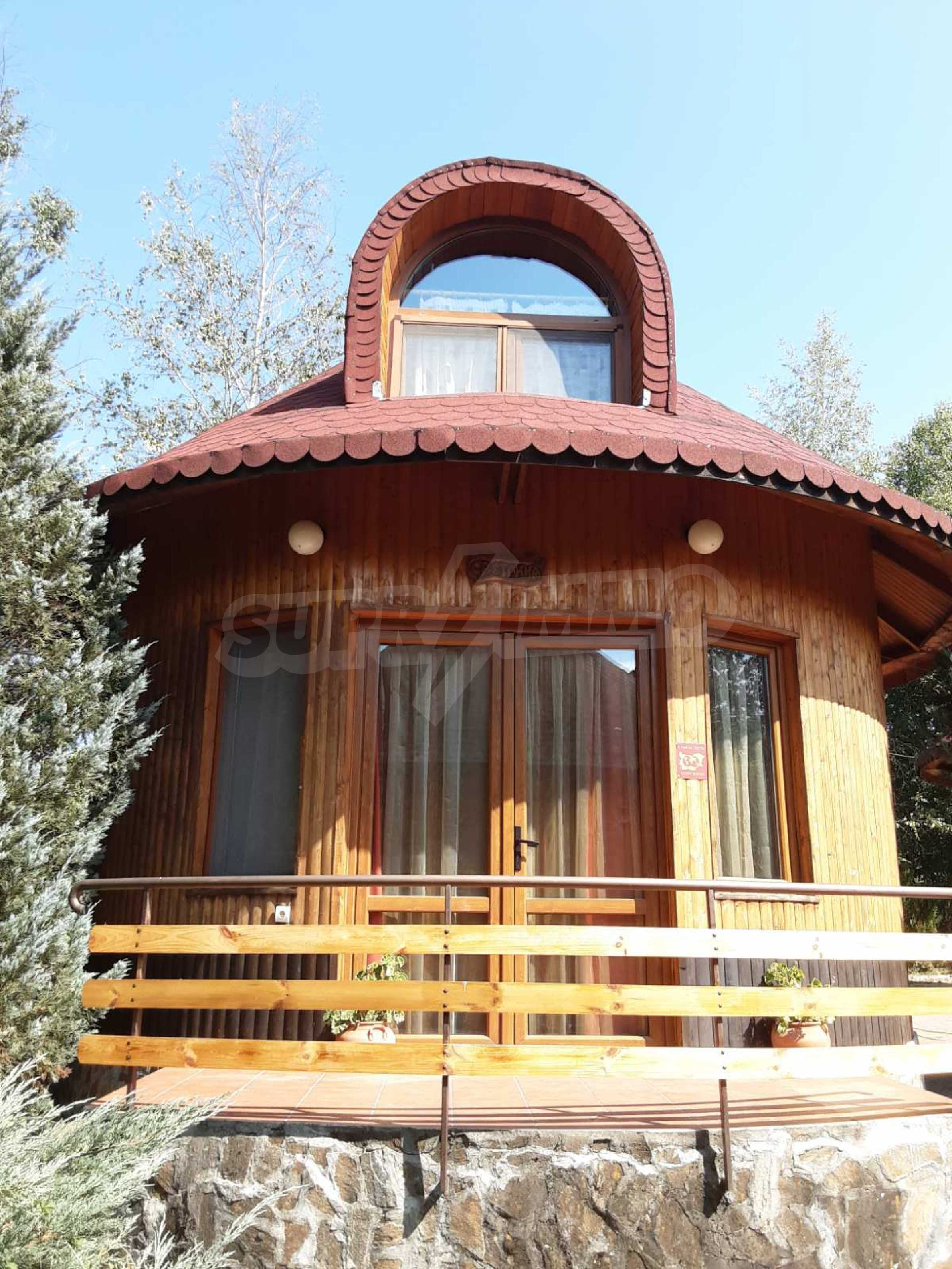 Кръгла еко къща във вилно селище в Троянския Балкан  24