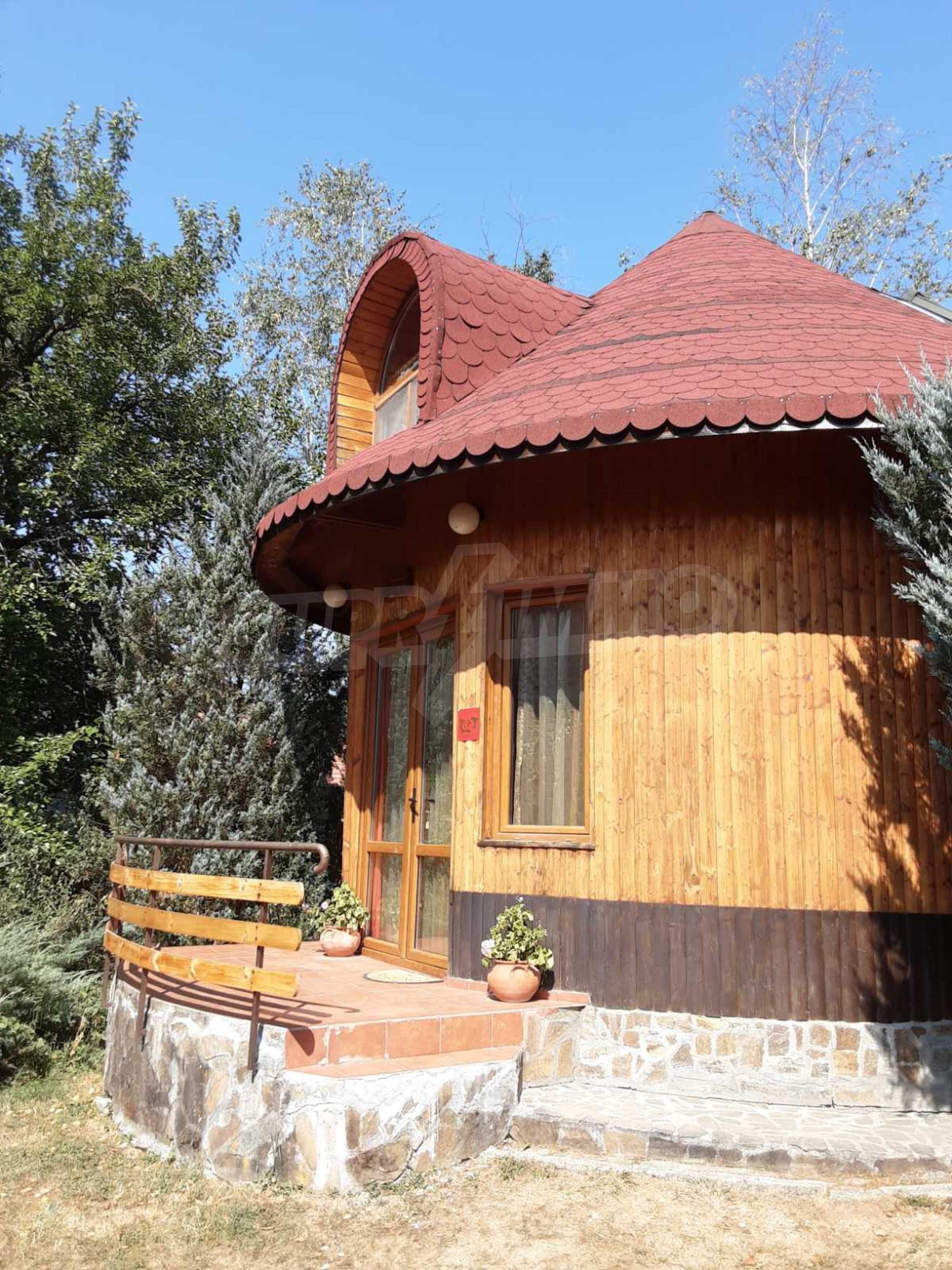 Кръгла еко къща във вилно селище в Троянския Балкан  25