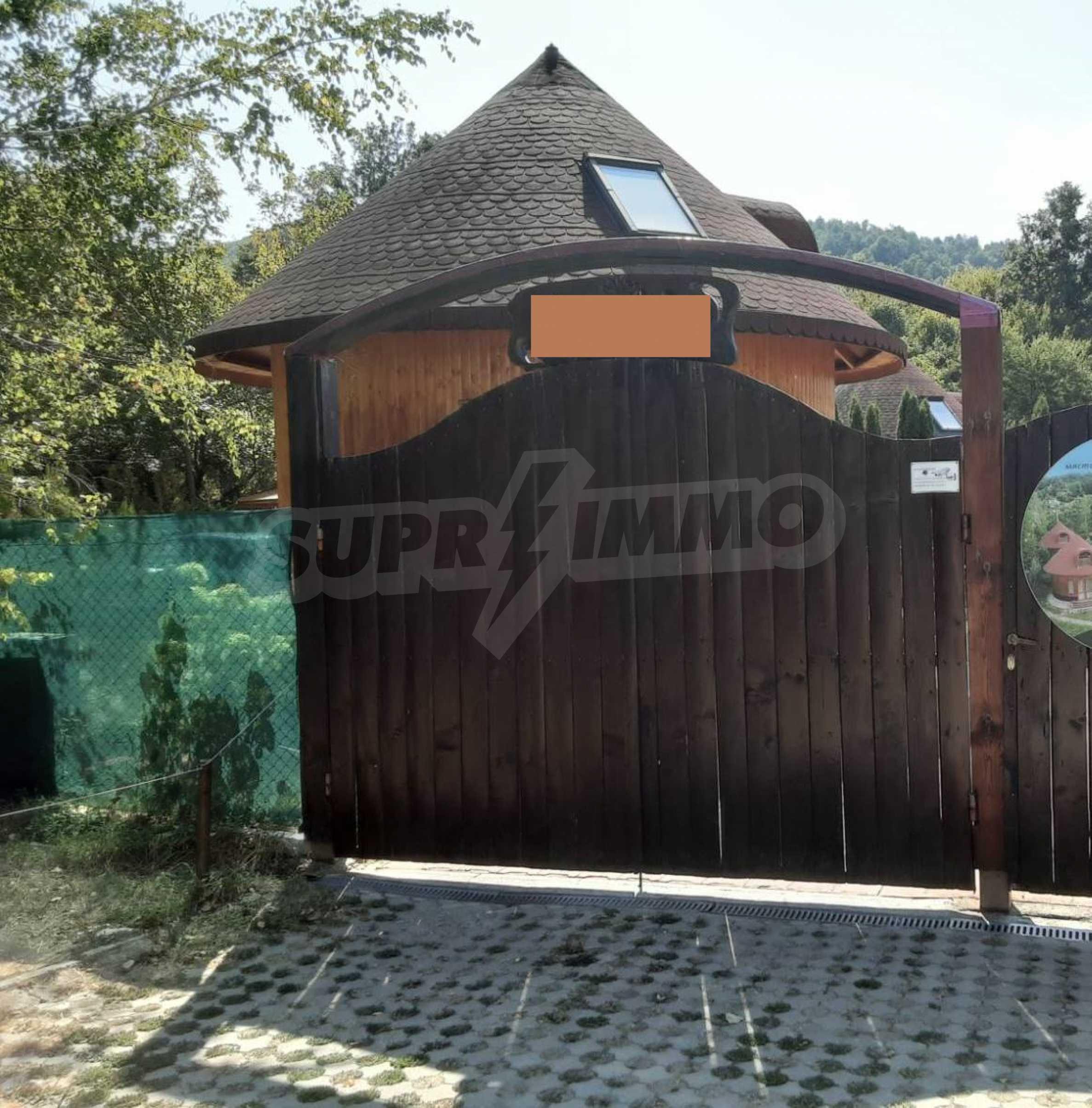 Кръгла еко къща във вилно селище в Троянския Балкан  28