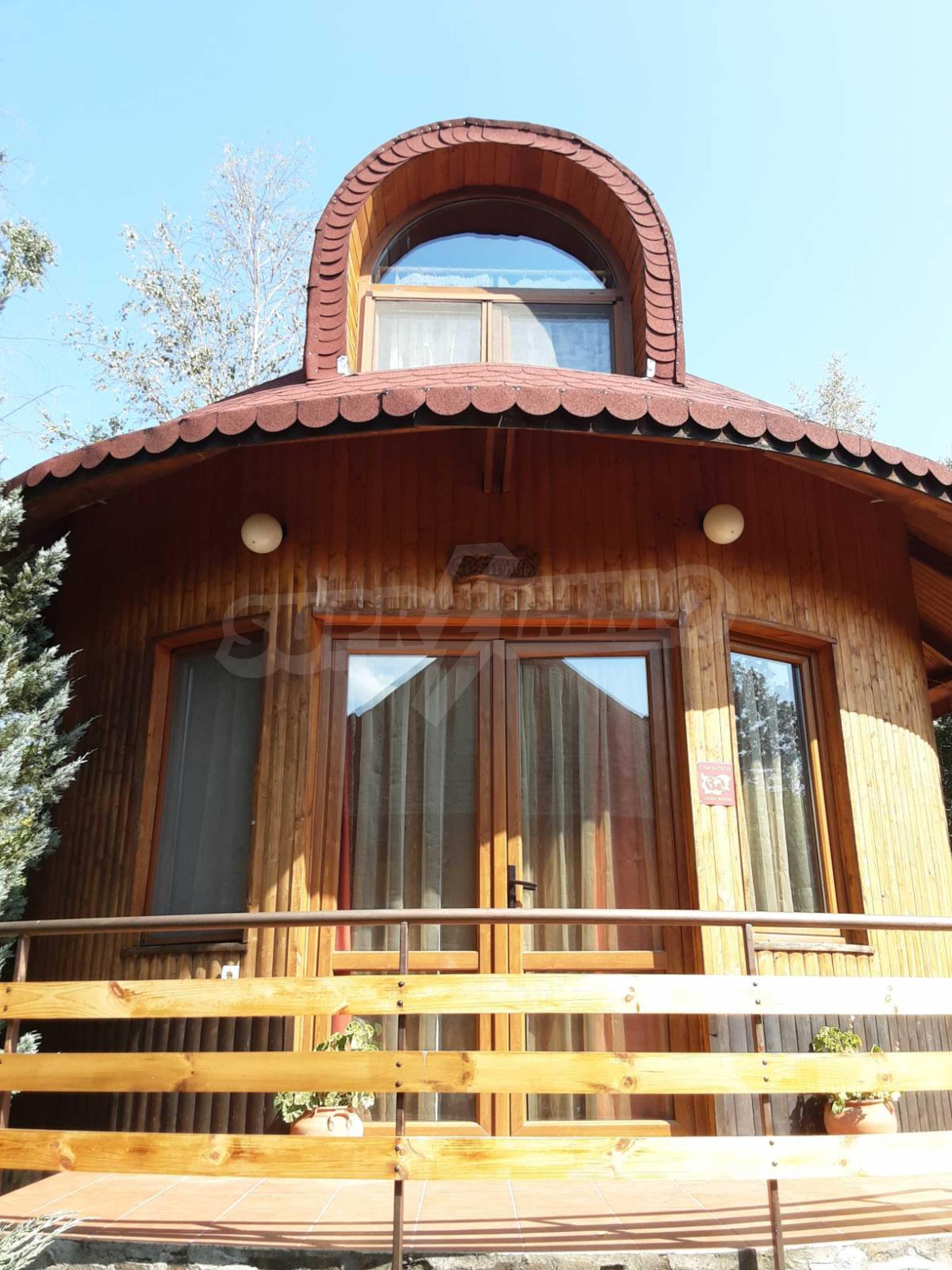 Кръгла еко къща във вилно селище в Троянския Балкан  2
