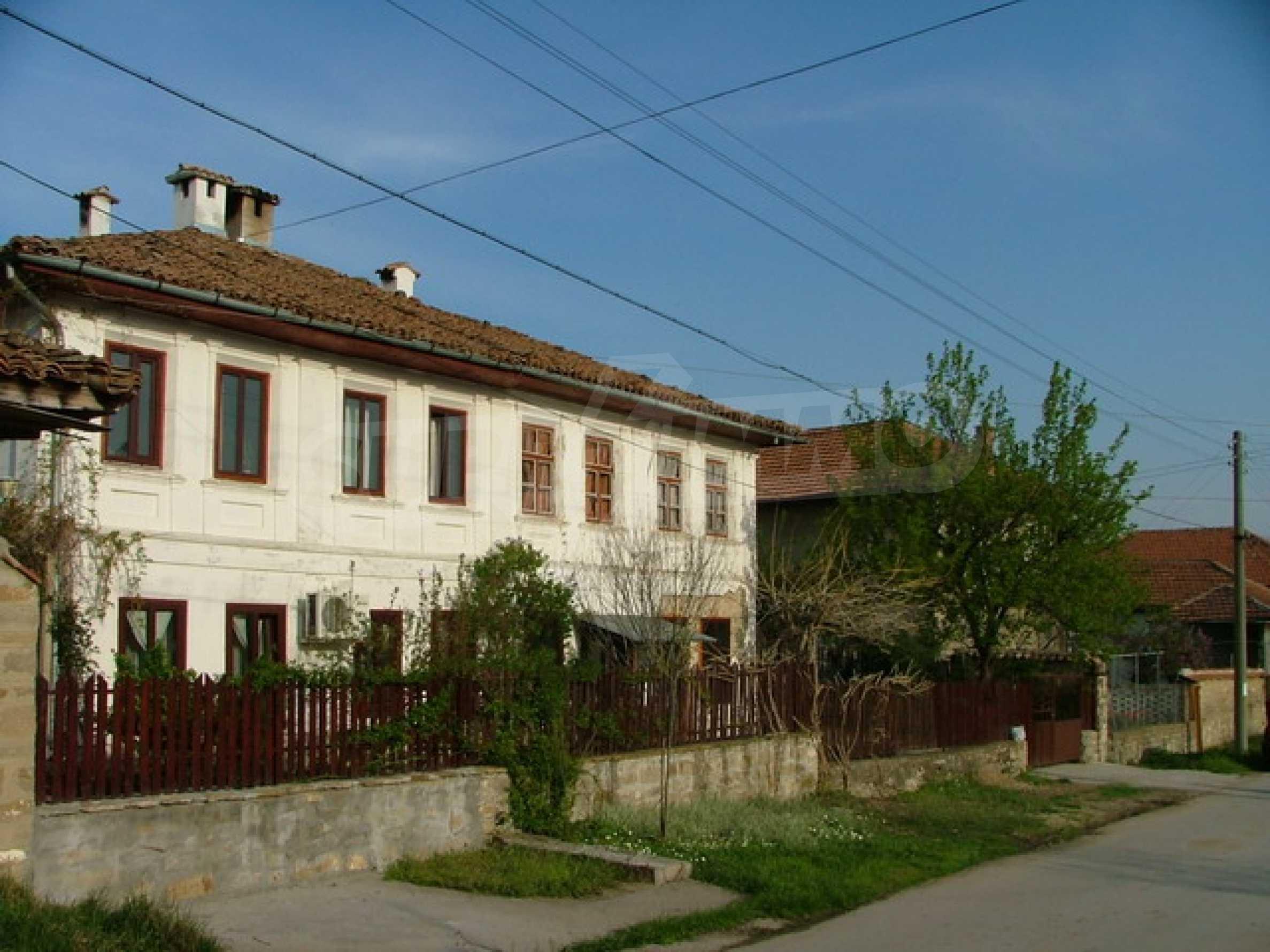 Стилно реновирана вила на 12 км. от В. Търново