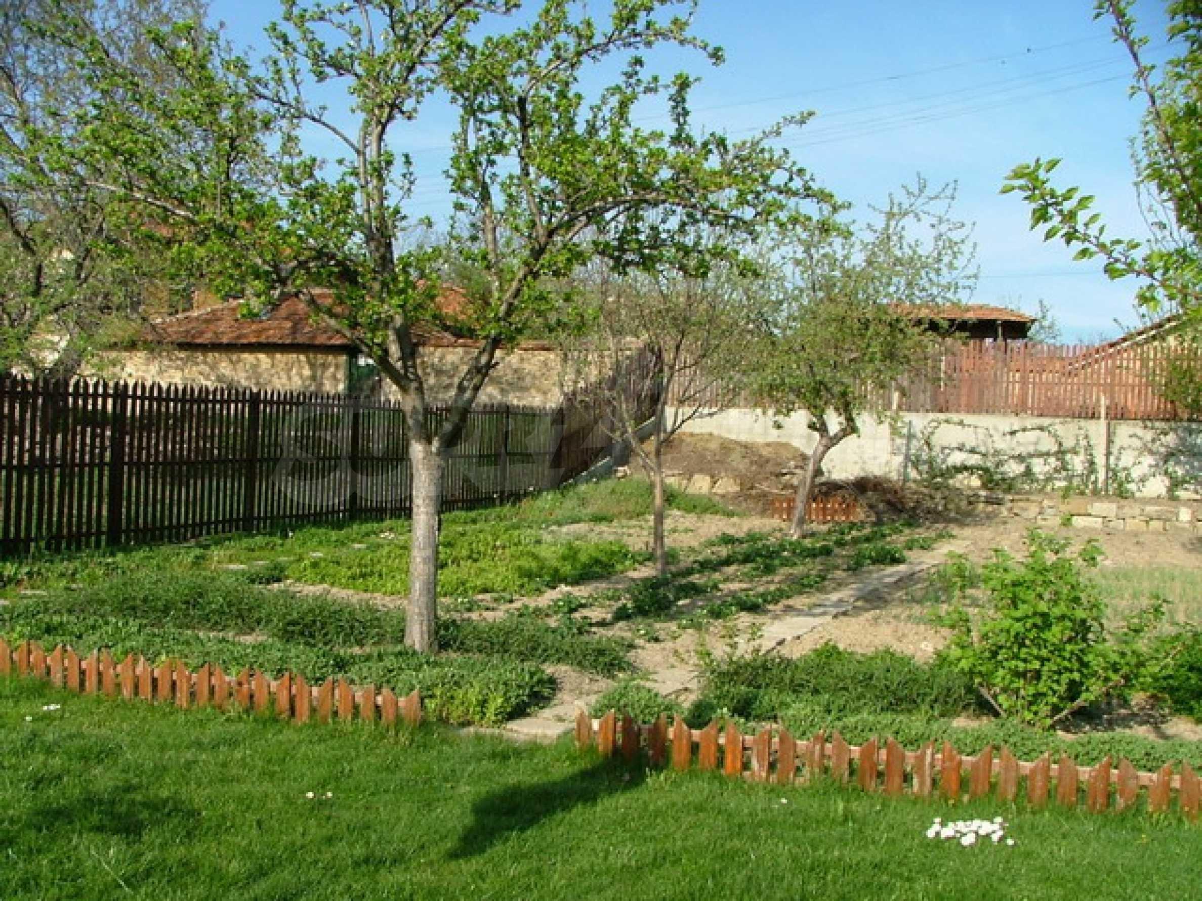 Стилно реновирана вила на 12 км. от В. Търново 25