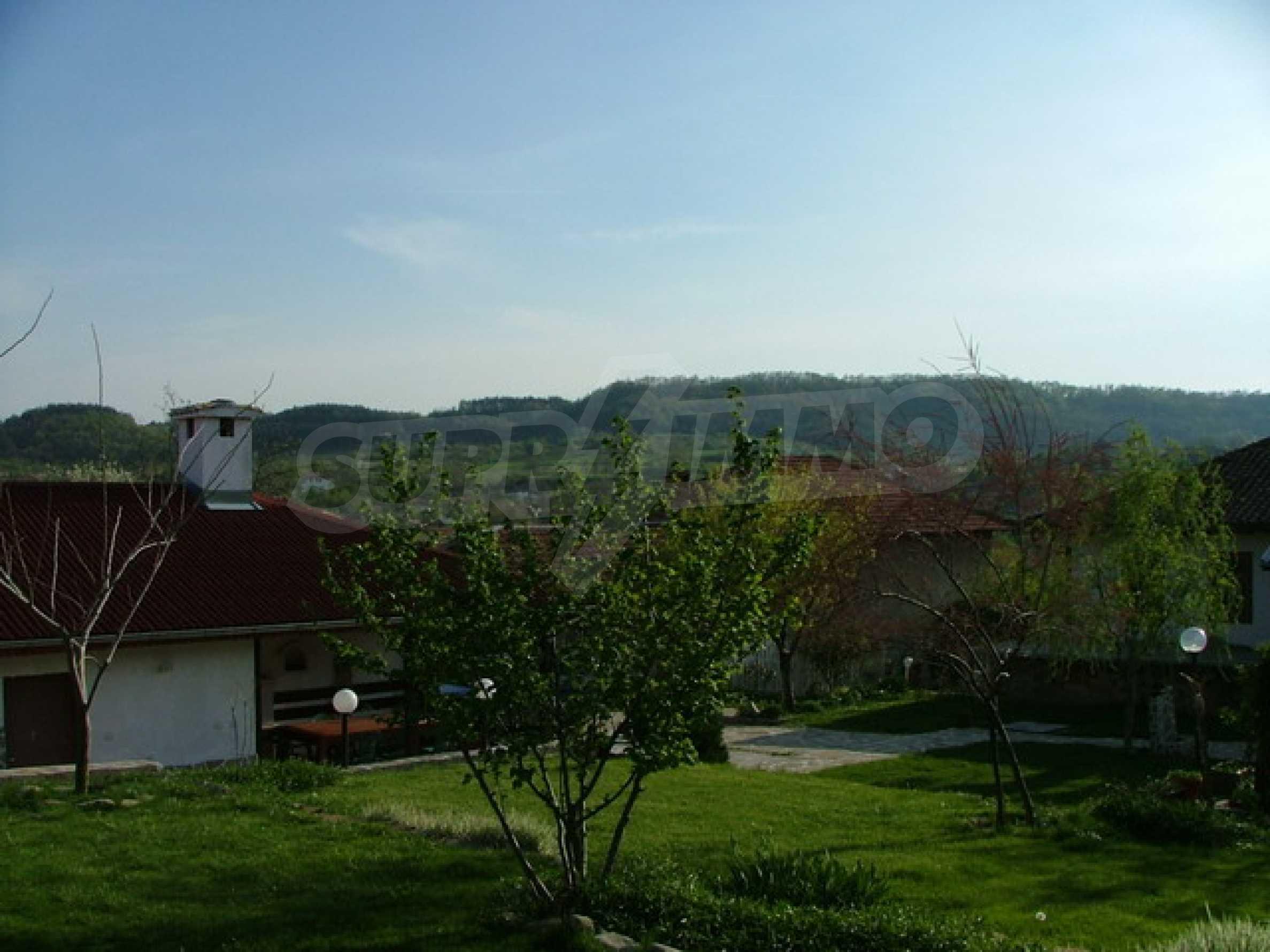 Стилно реновирана вила на 12 км. от В. Търново 36