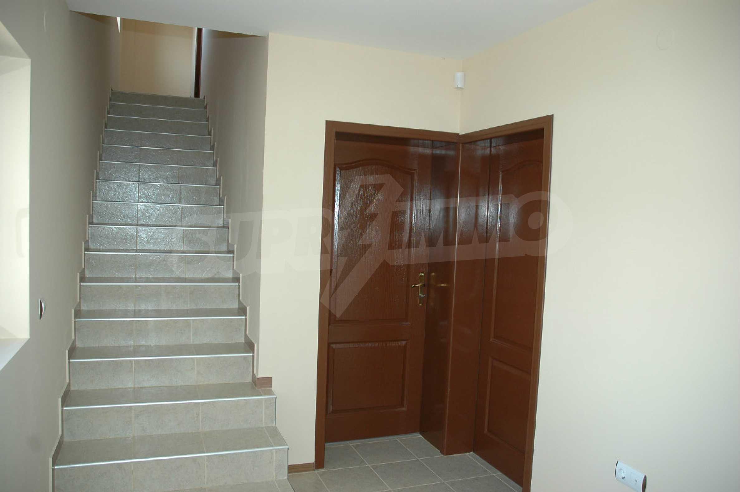 Neugebautes zweistöckiges Haus in der Nähe von Balchik 20